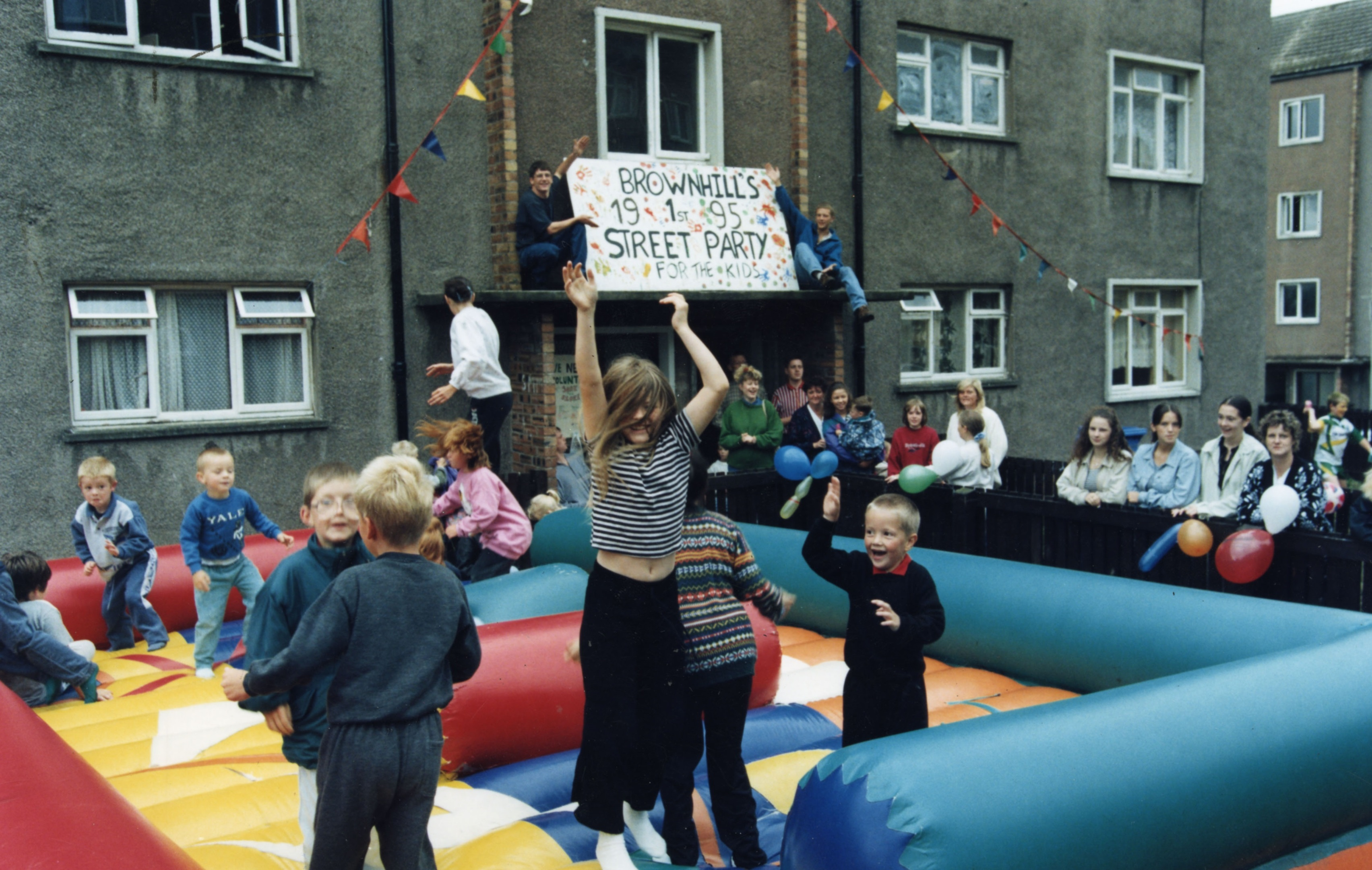 A street party in Brownhill Place in 1995.
