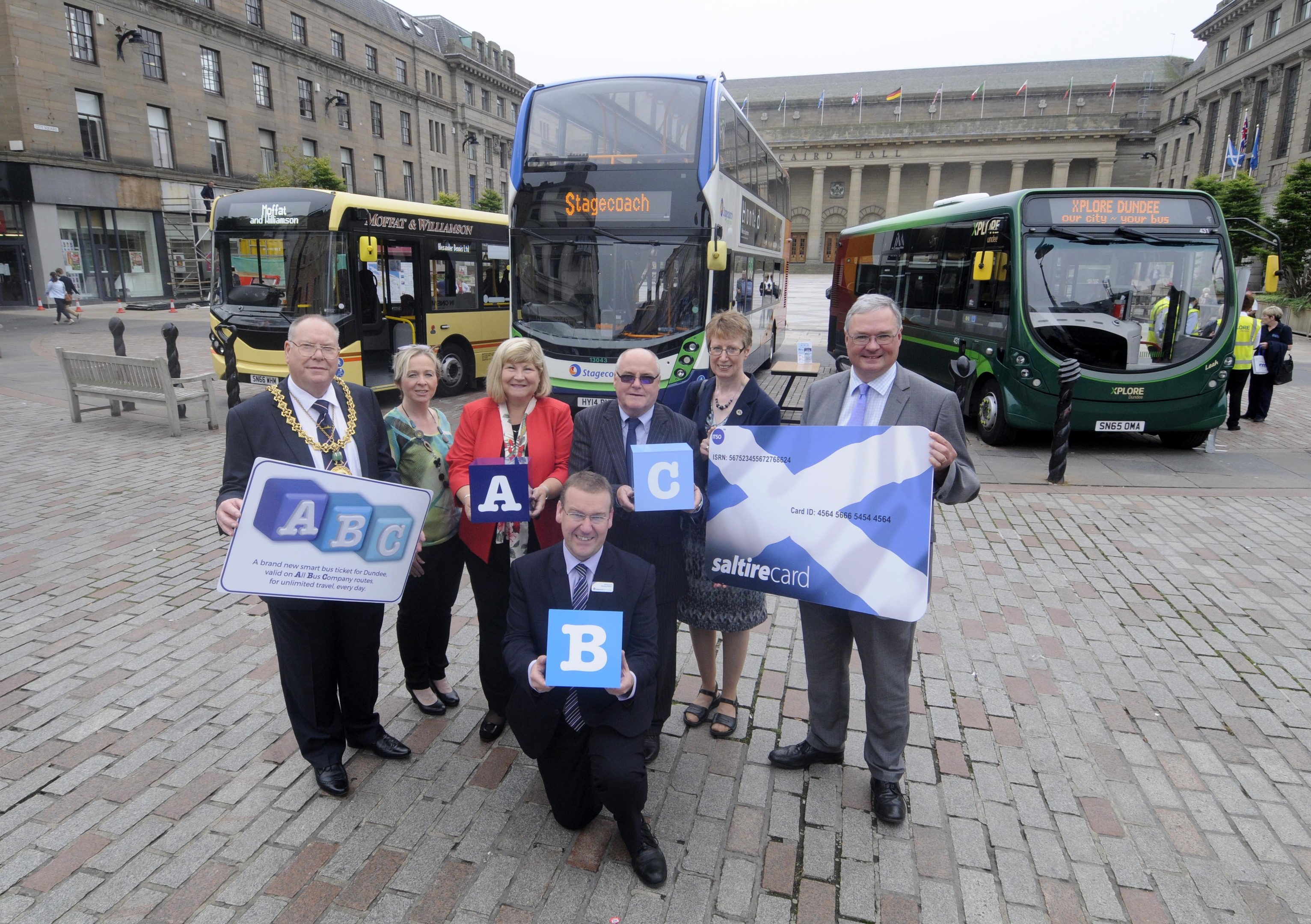 Lord Provost Bob Duncan, Kate Leer, Scottish Cities Alliance, Elsie Turbyne, MD Xplore Dundee, Andrew Jarvis, MD Stagecoach East Scotland, George Devine, MD Moffat & Williamson, Lesley Millar, Angus Council, Bill Reeve, Transport Scotland