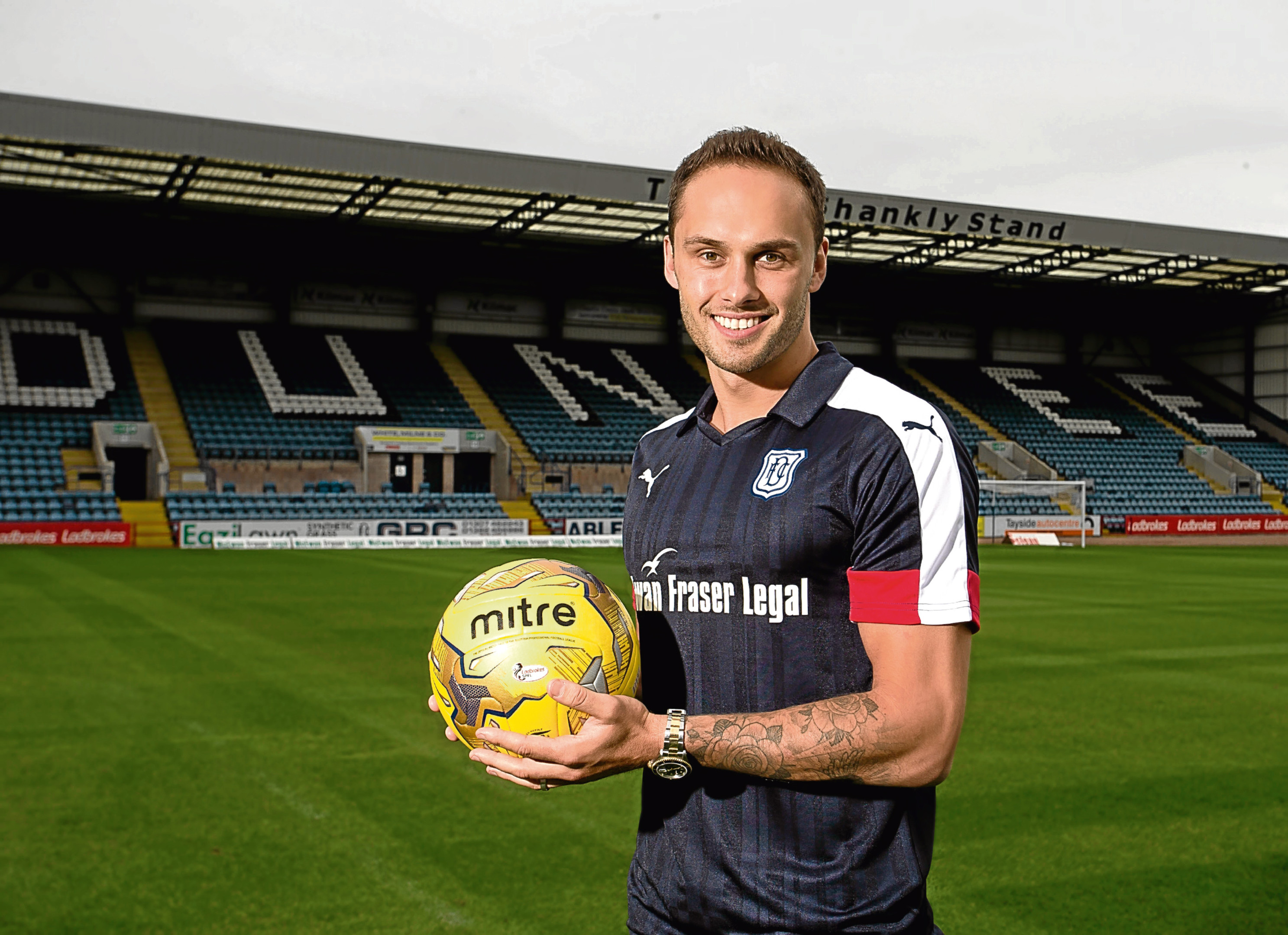 Dundee midfielder Tom Hateley hopes his side can upset the odds.