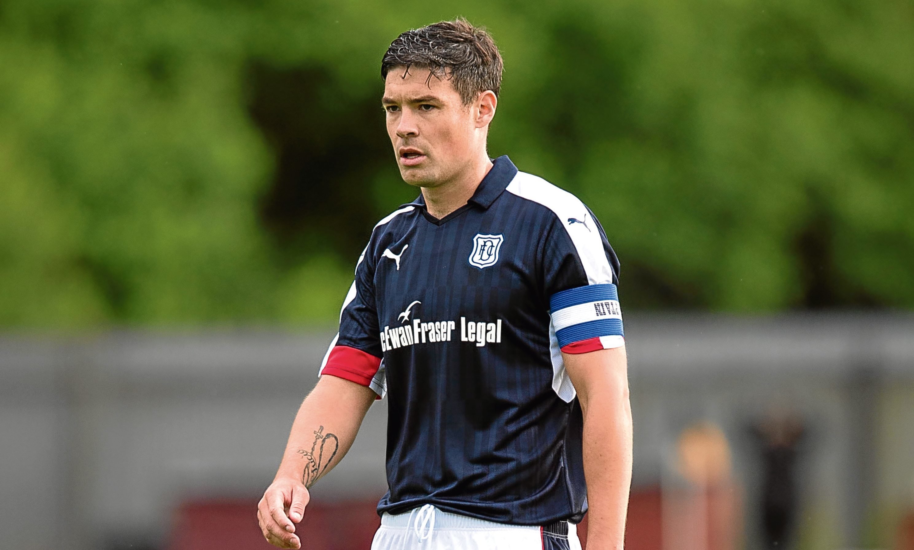 Dundee skipper Darren O'Dea's experience is vital for the Dark Blues if they are to stick with a back three.