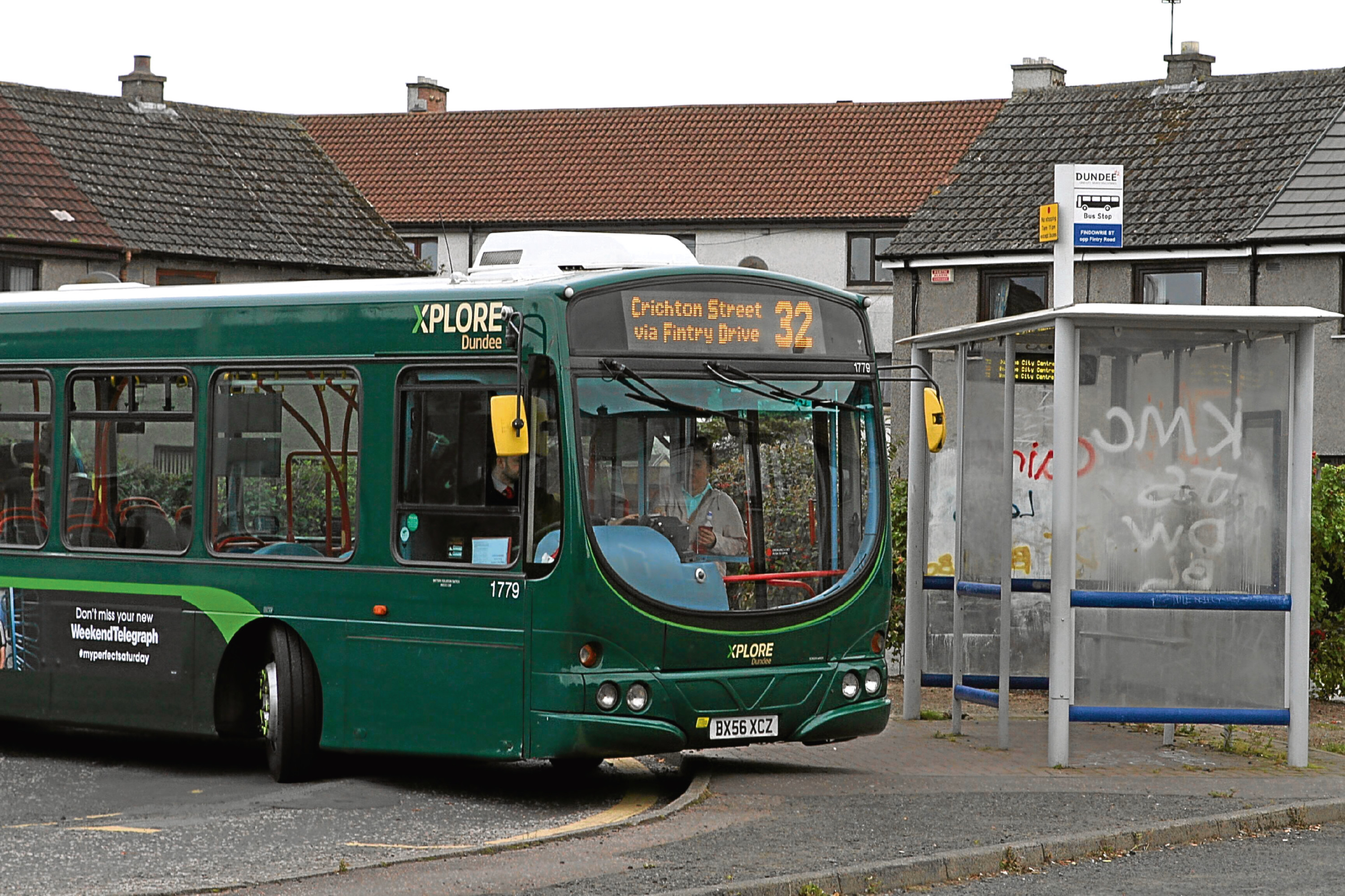 A number 32 bus in Fintry
