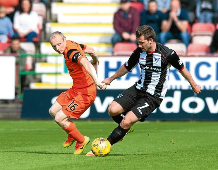 Dundee United midfielder Willo Flood — pictured in Championship action at Dunfermline — reckons his underachieving Tangerines are on the verge of hitting top form.