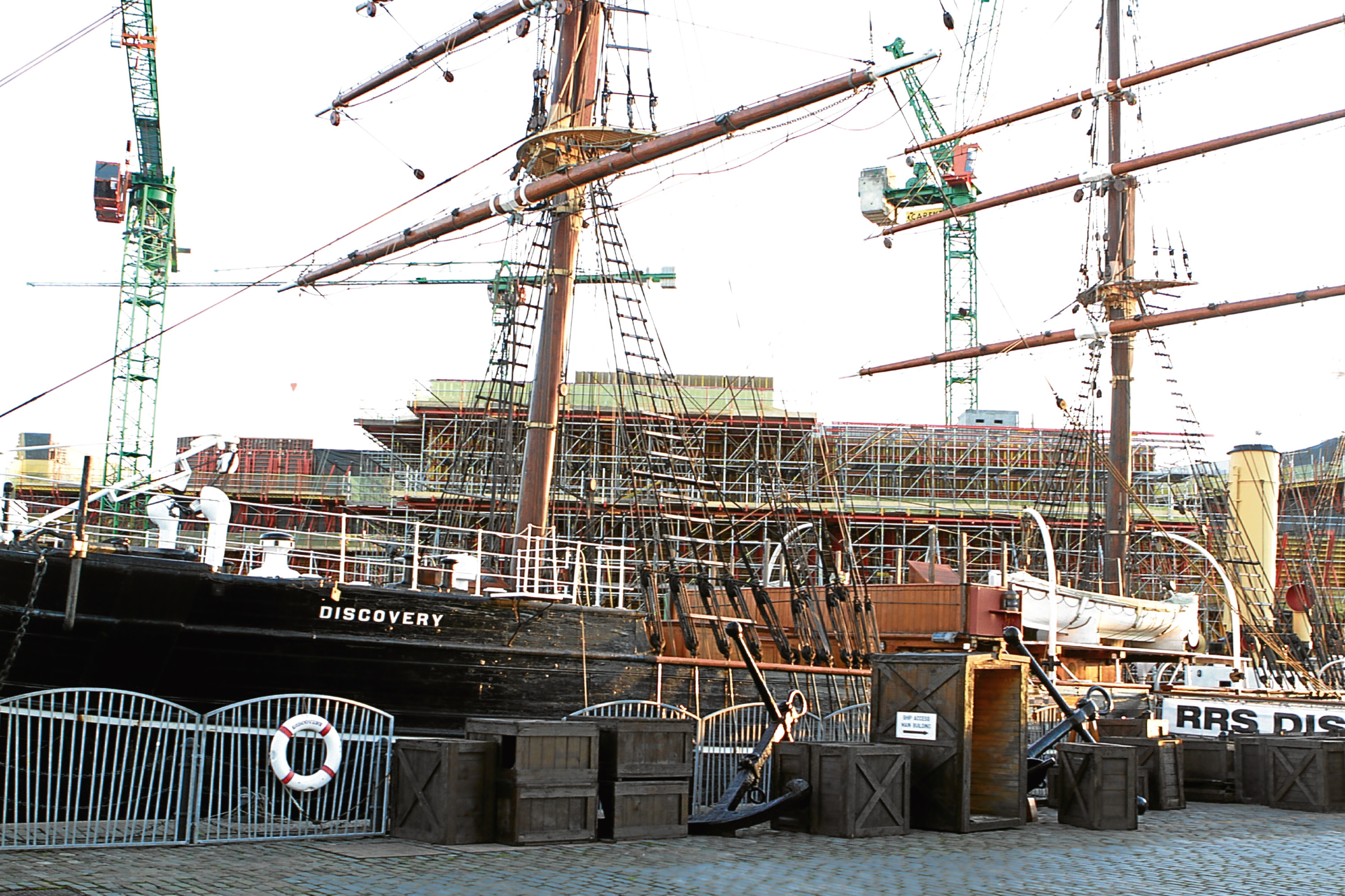 The RRS Discovery in Dundee is undergoing vital restoration works to reinstate masts and rigging in accordance with the ship's original design.