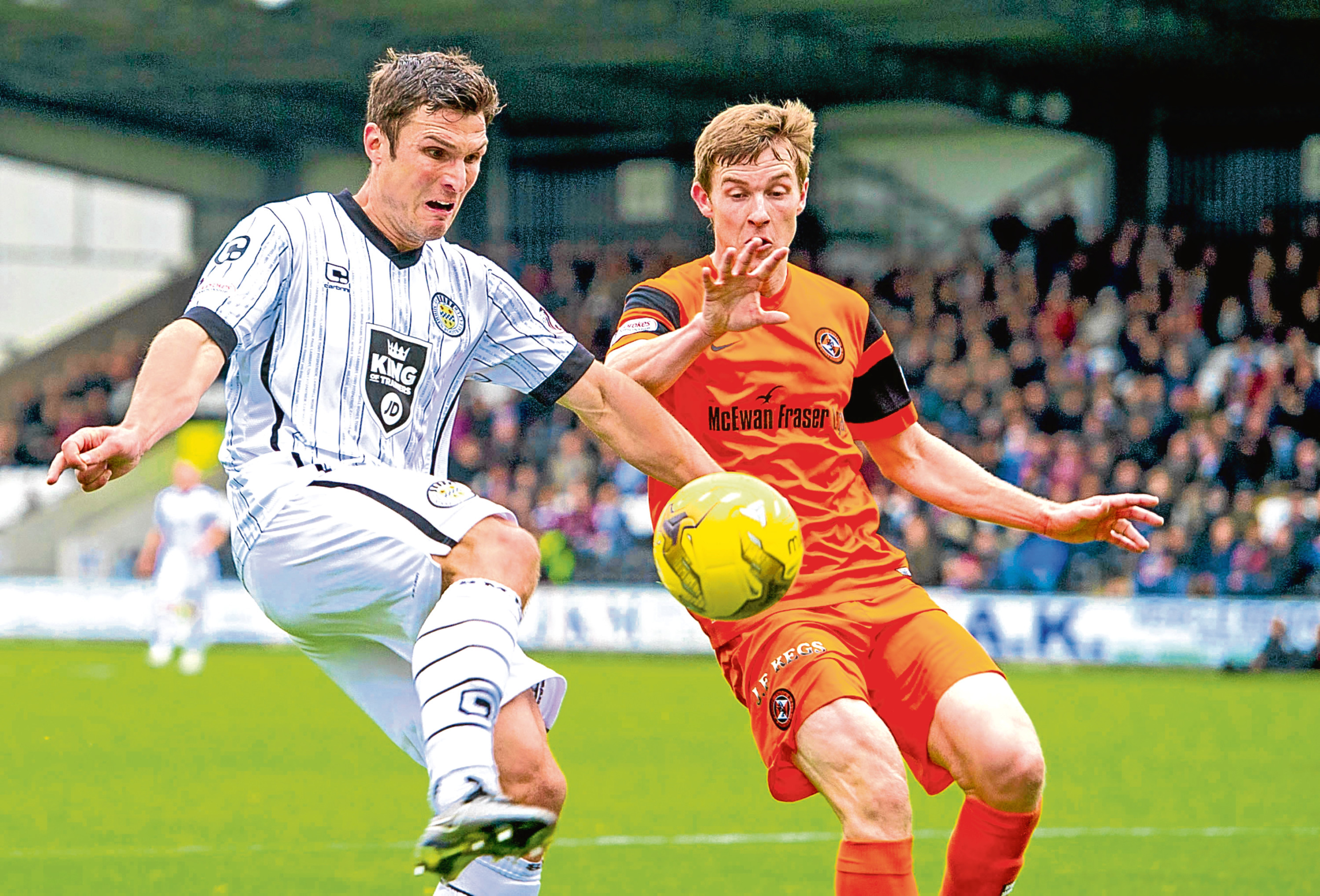 Full-back Paul Dixon is Dundee United's only injury absentee, with all other players having reported in fit for duty.