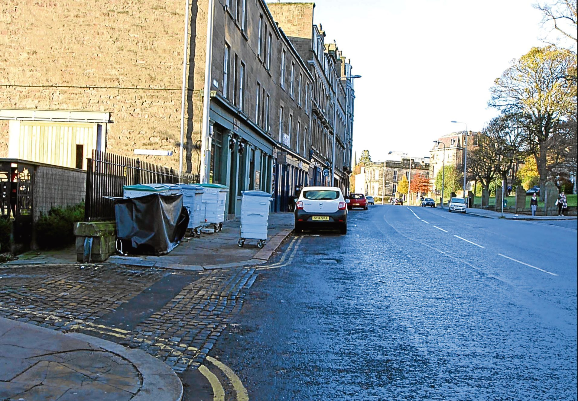 The Perth Road, near Allan's flat.