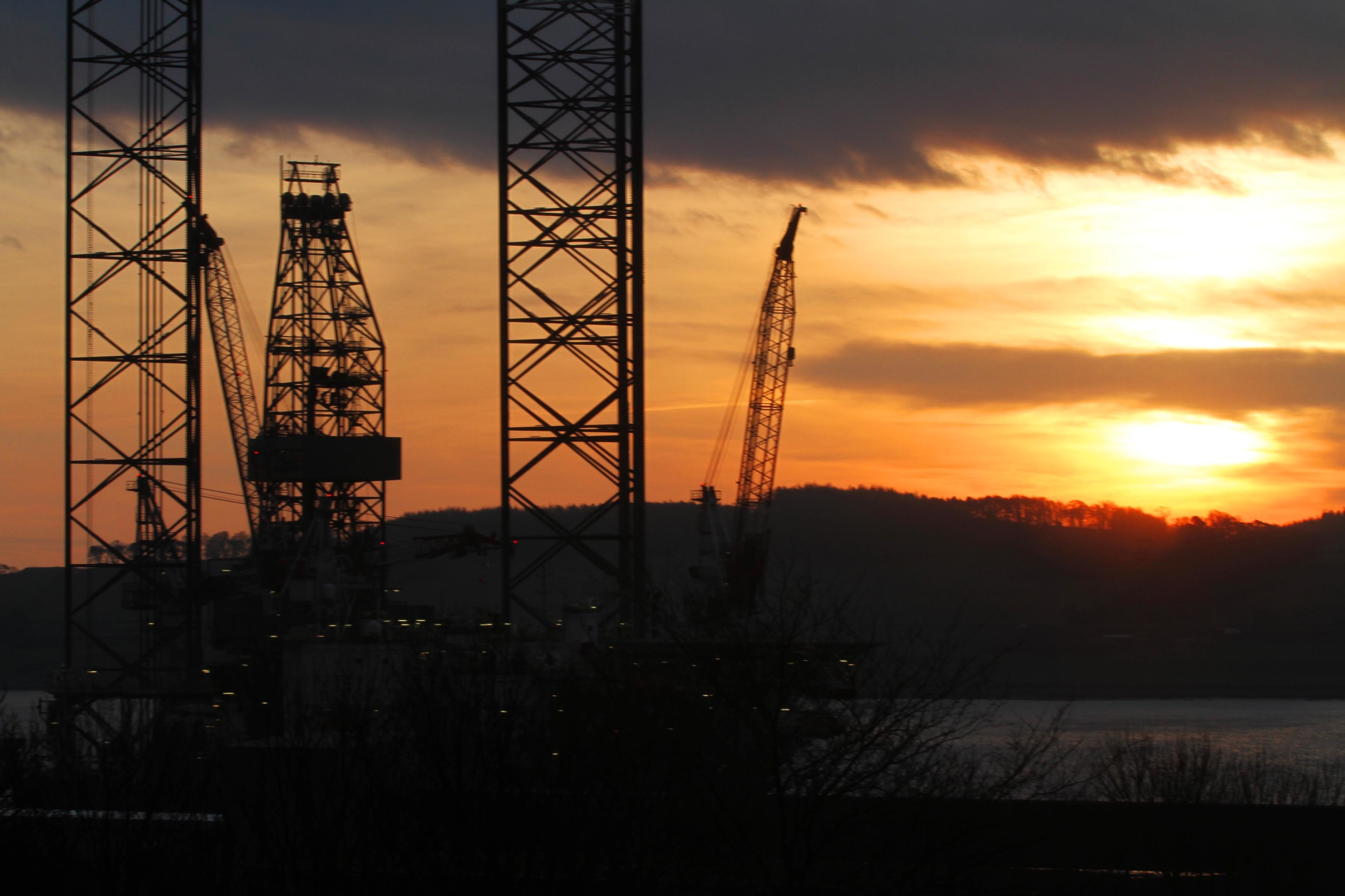 A firey sunrise over Dundee oil rigs today. Taken from Kenilworth Avenue.