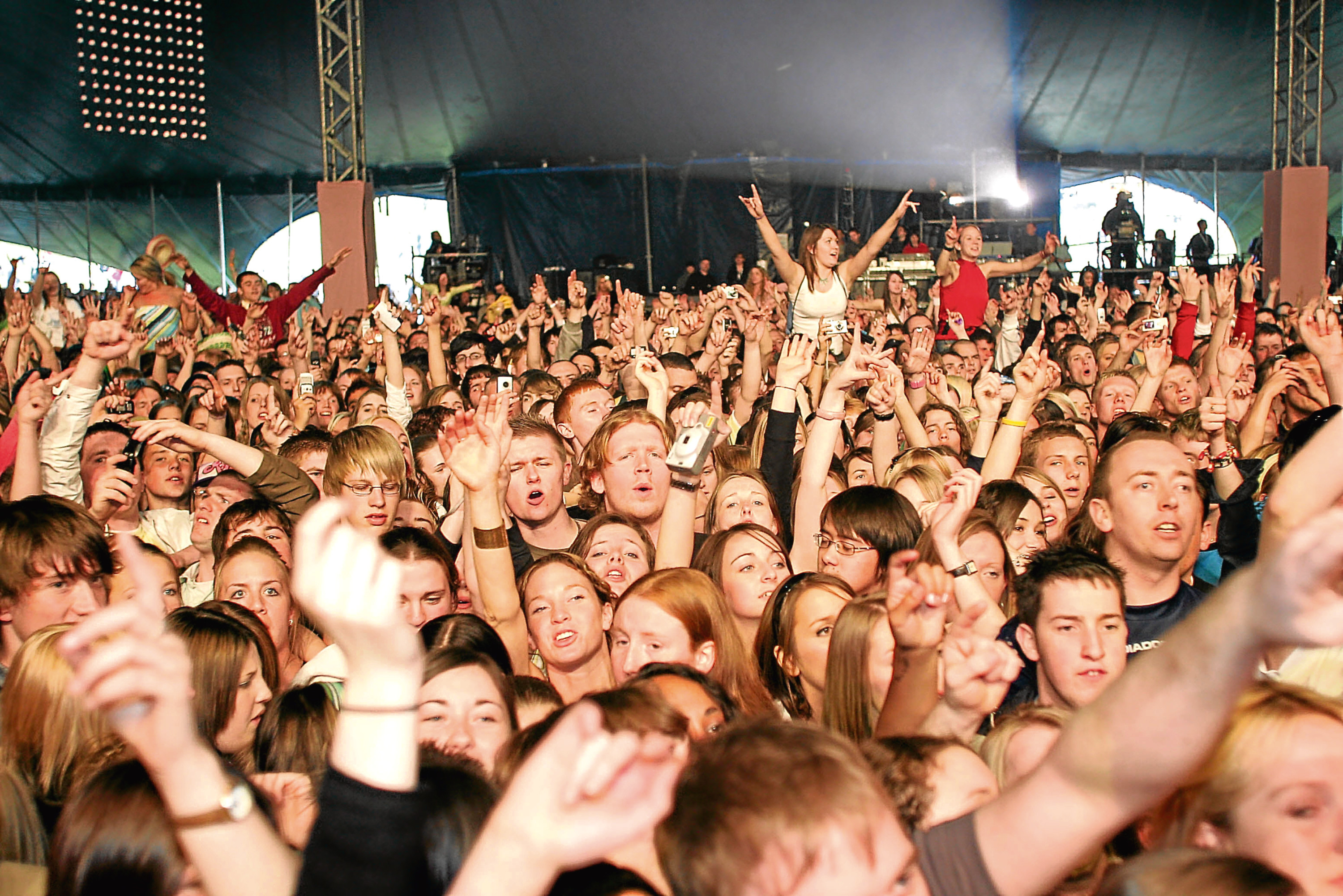 The crowd enjoying the Radio 1 Big Weekend held at Camperdown Park in 2006.