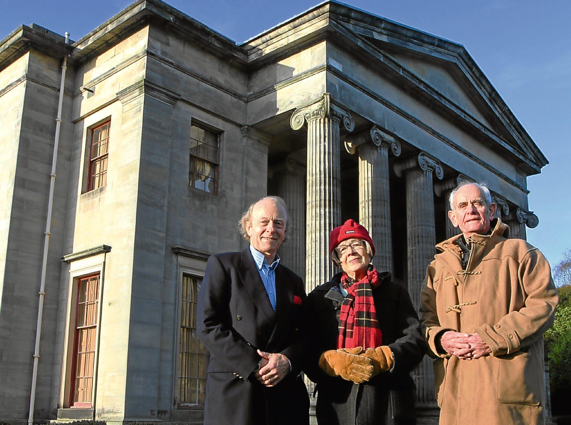 Captain James Crawford, Elizabeth Picton and Commander John Picton in front of Camperdown House.