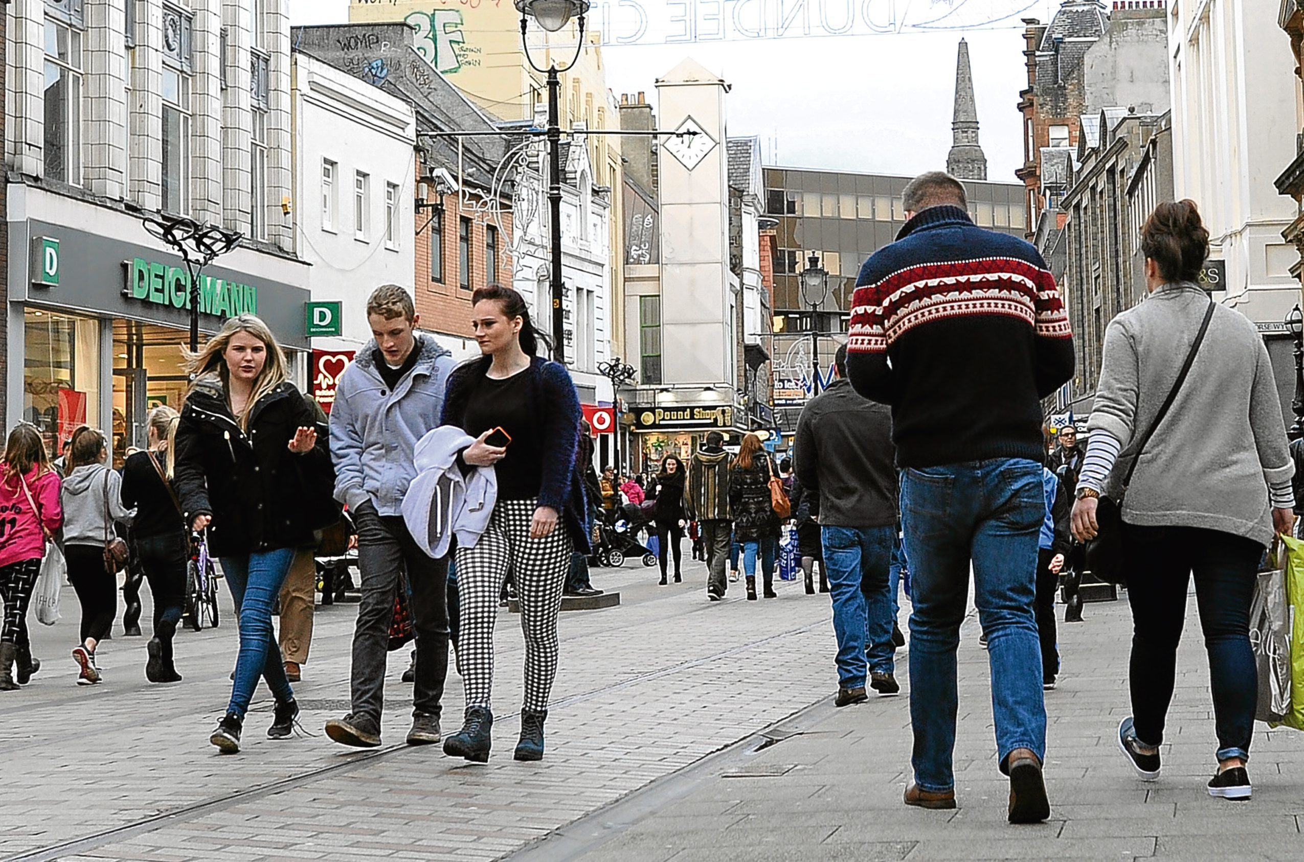 Shoppers in Murraygate, Dundee