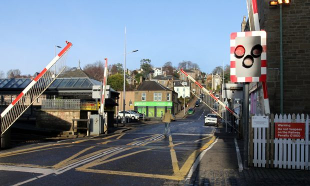 The Broughty Ferry level crossing.