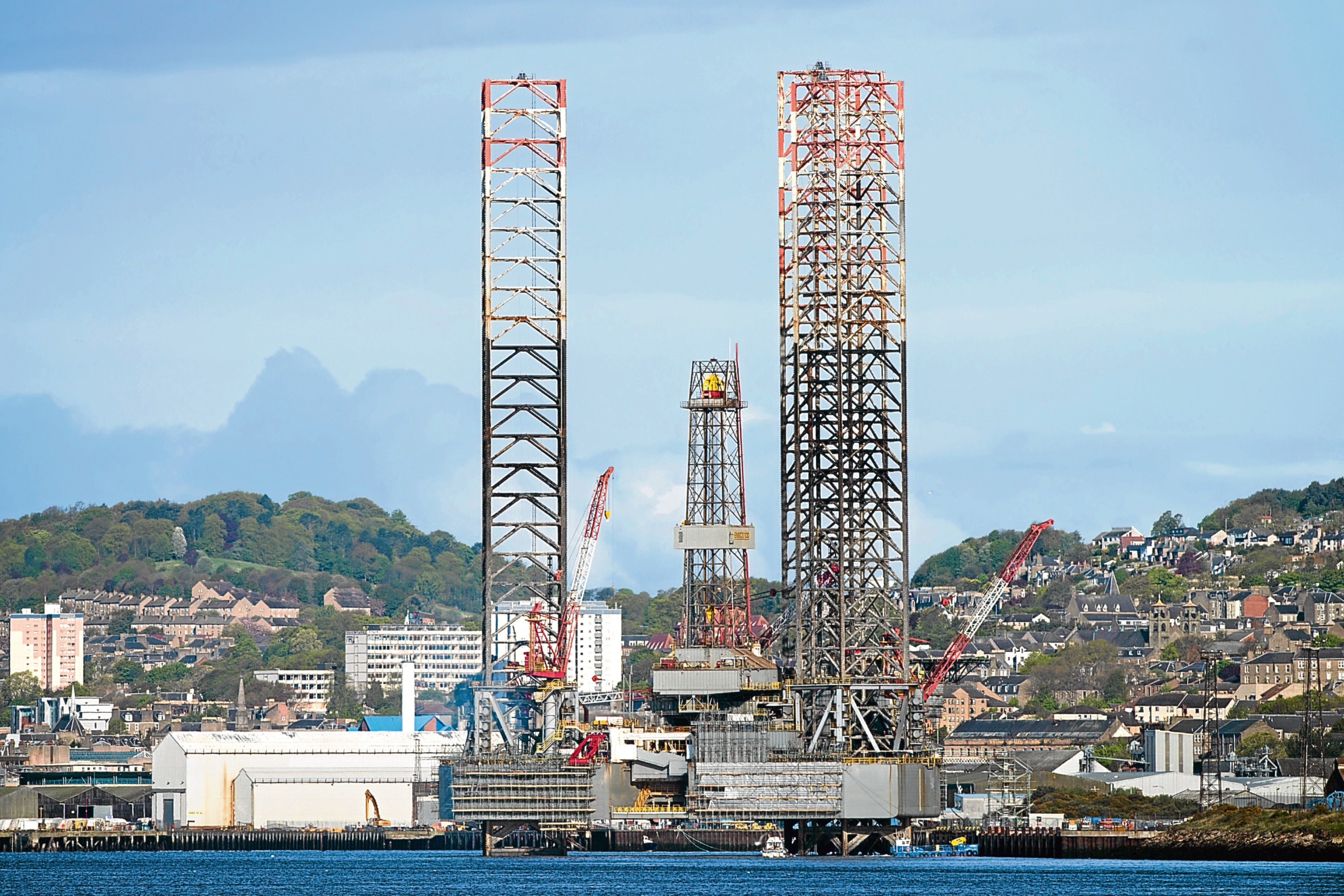 Oil rig at Dundee Harbour