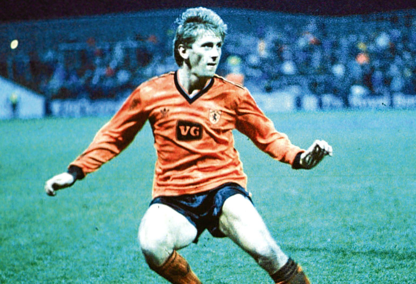 Iain Ferguson in action for Dundee Utd