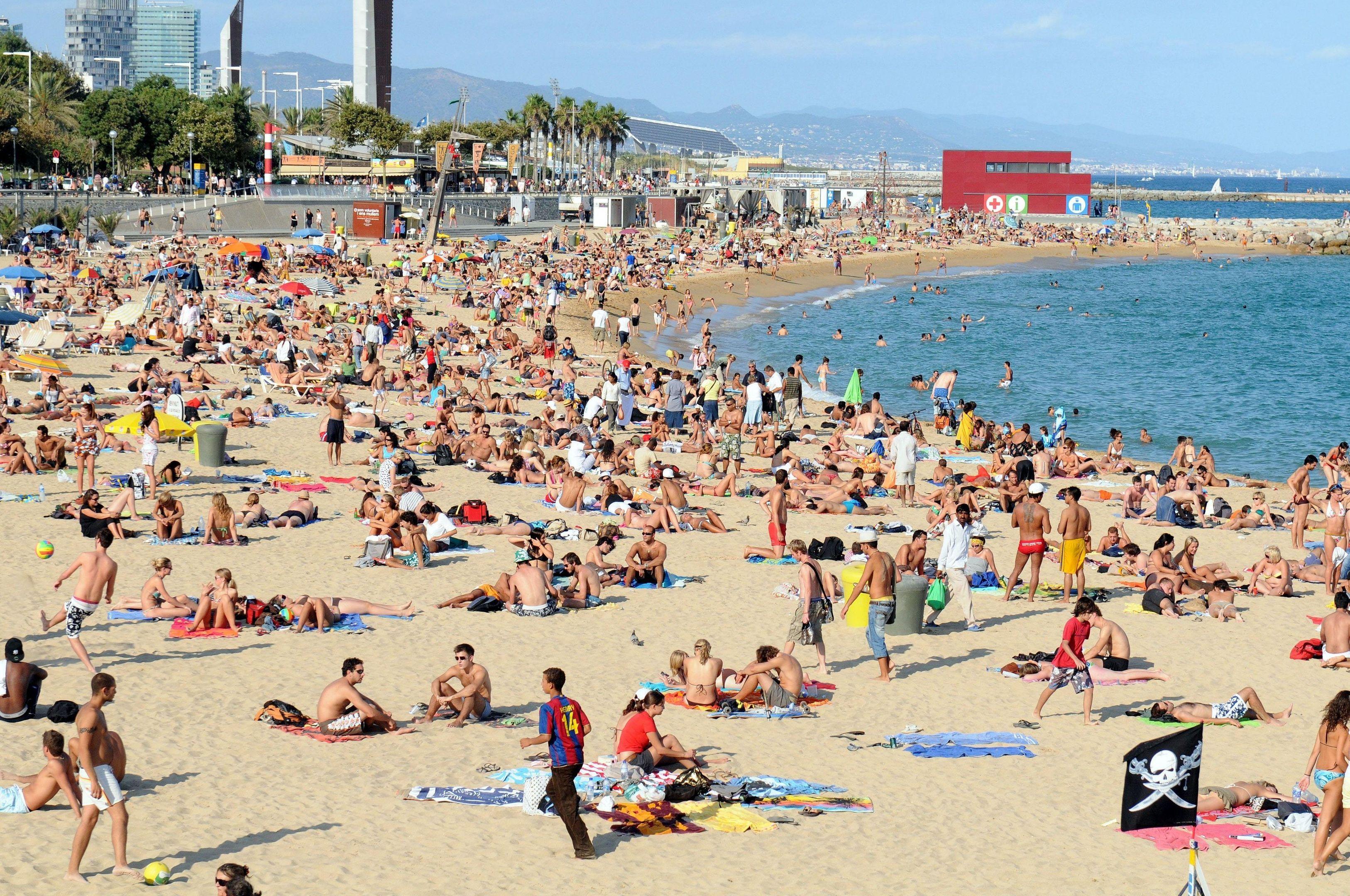 Platja Nova Icarie beach in Barcelona