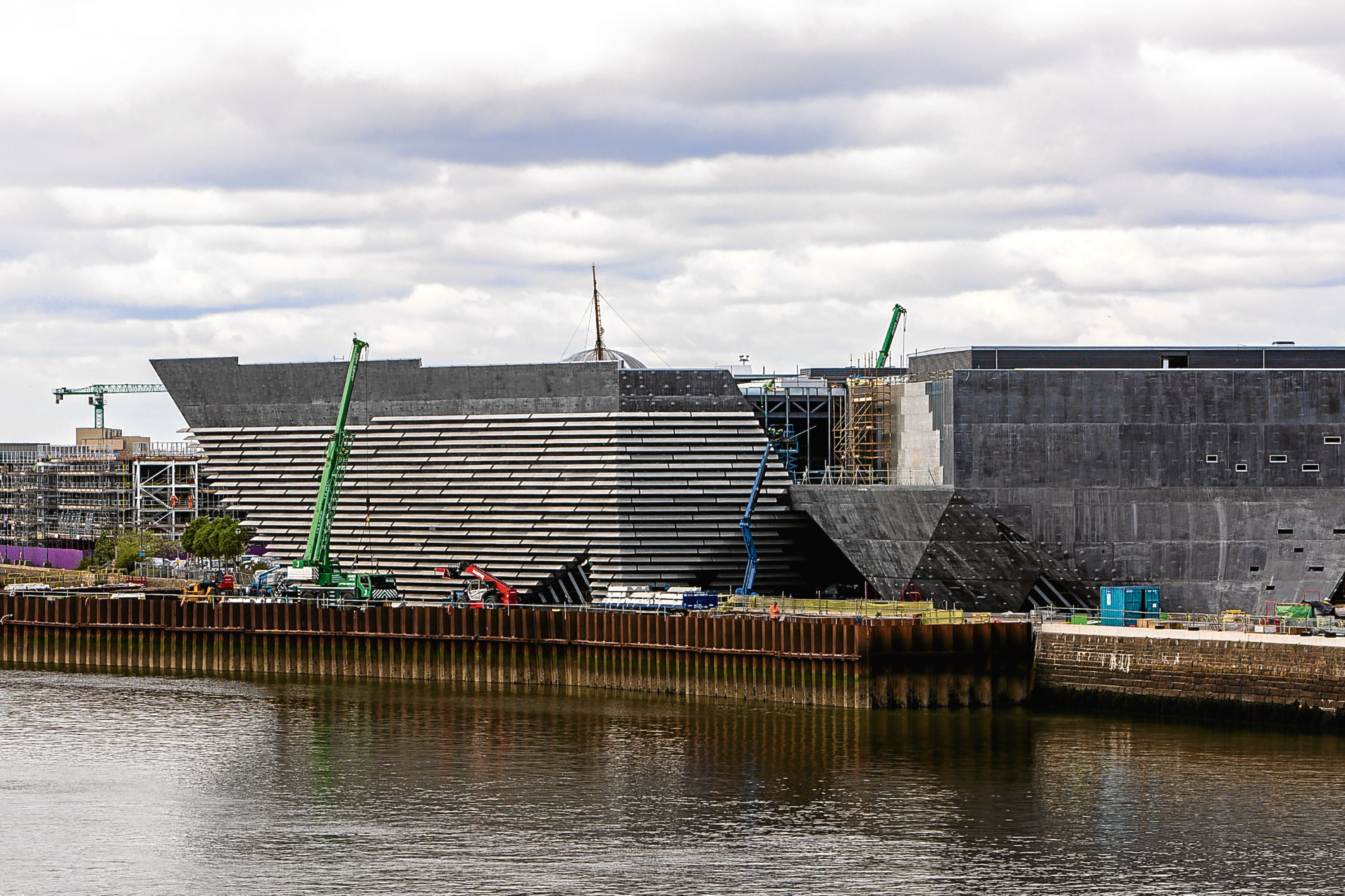 The city's high unemployment rate could be reversed by the redevelopment of the Waterfront, including the V&A Museum.