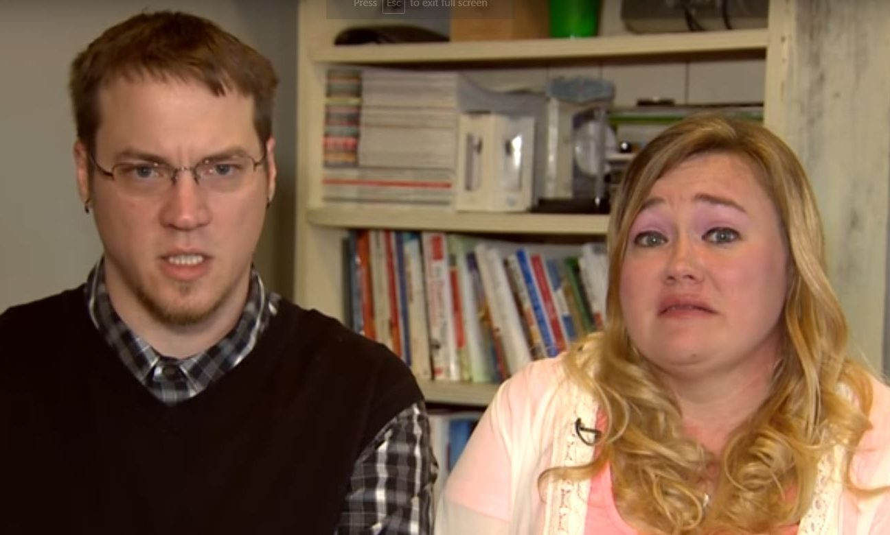 Mike and Heather Martin aplogise on their Youtbe channel DaddyoFive