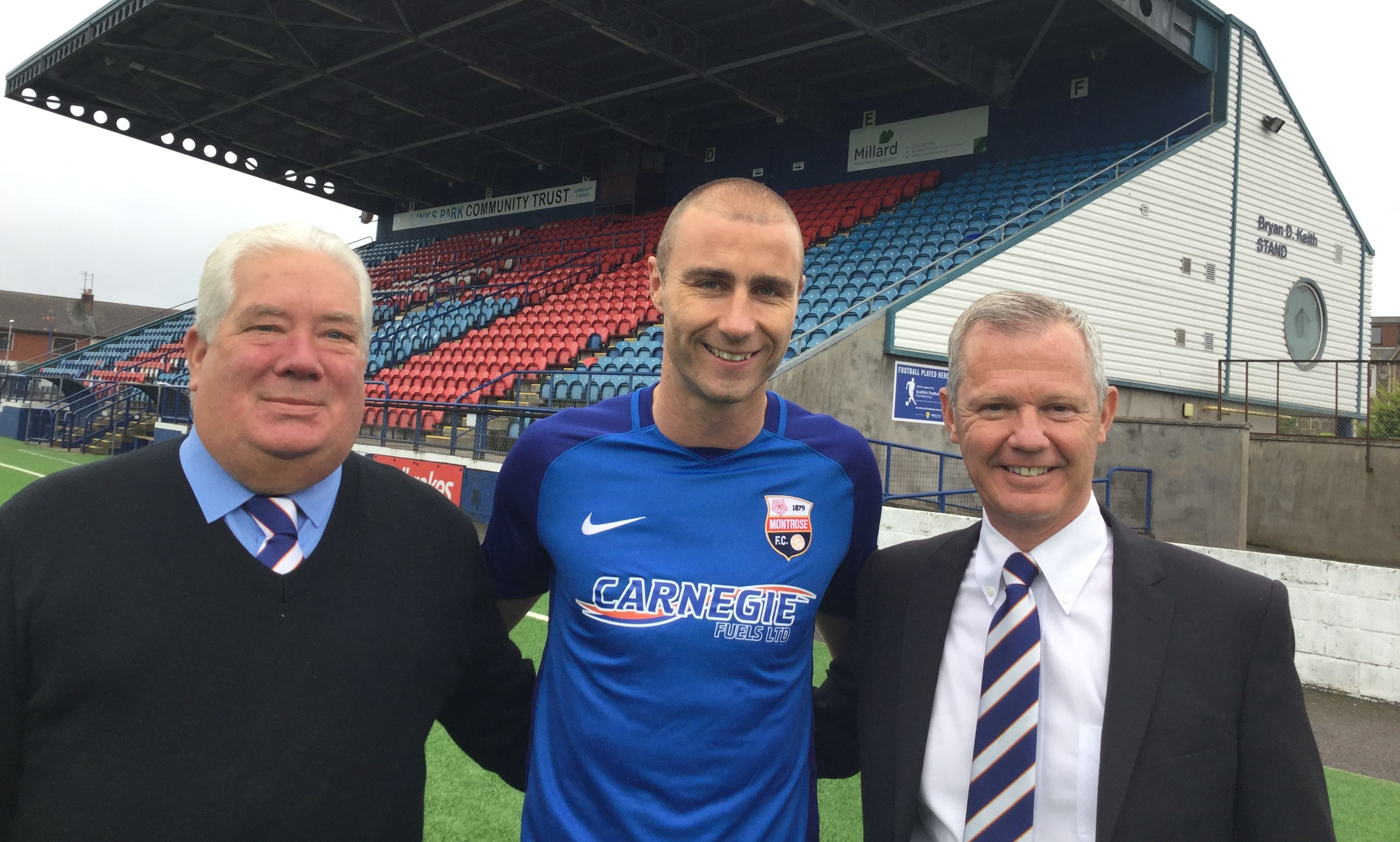 Sean Dillon pictured with  Montrose co-vice Chairmen David Laing and Peter Stuart at Links Park