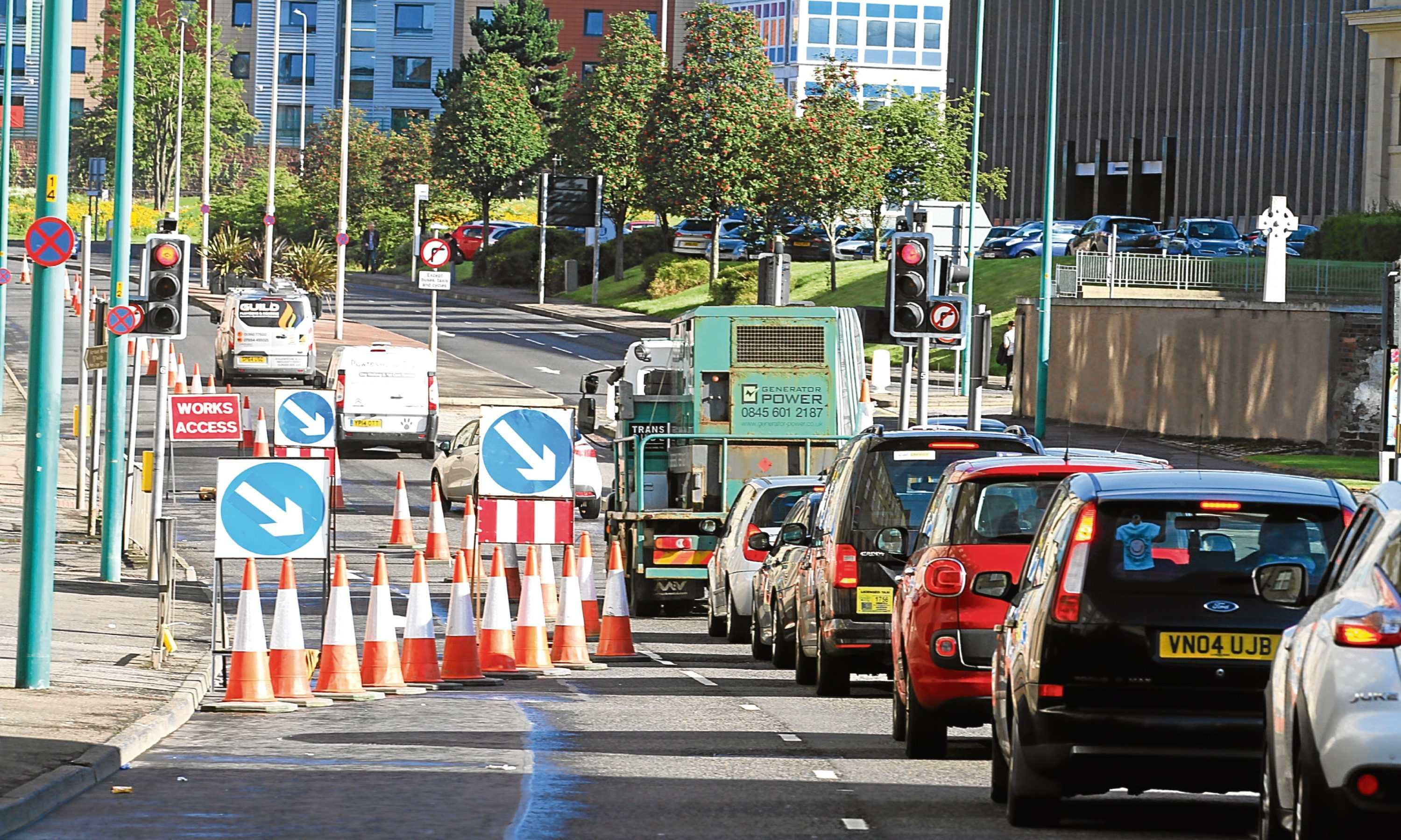 Queues built up in rush hour yesterday morning as the work got under way on West Marketgait