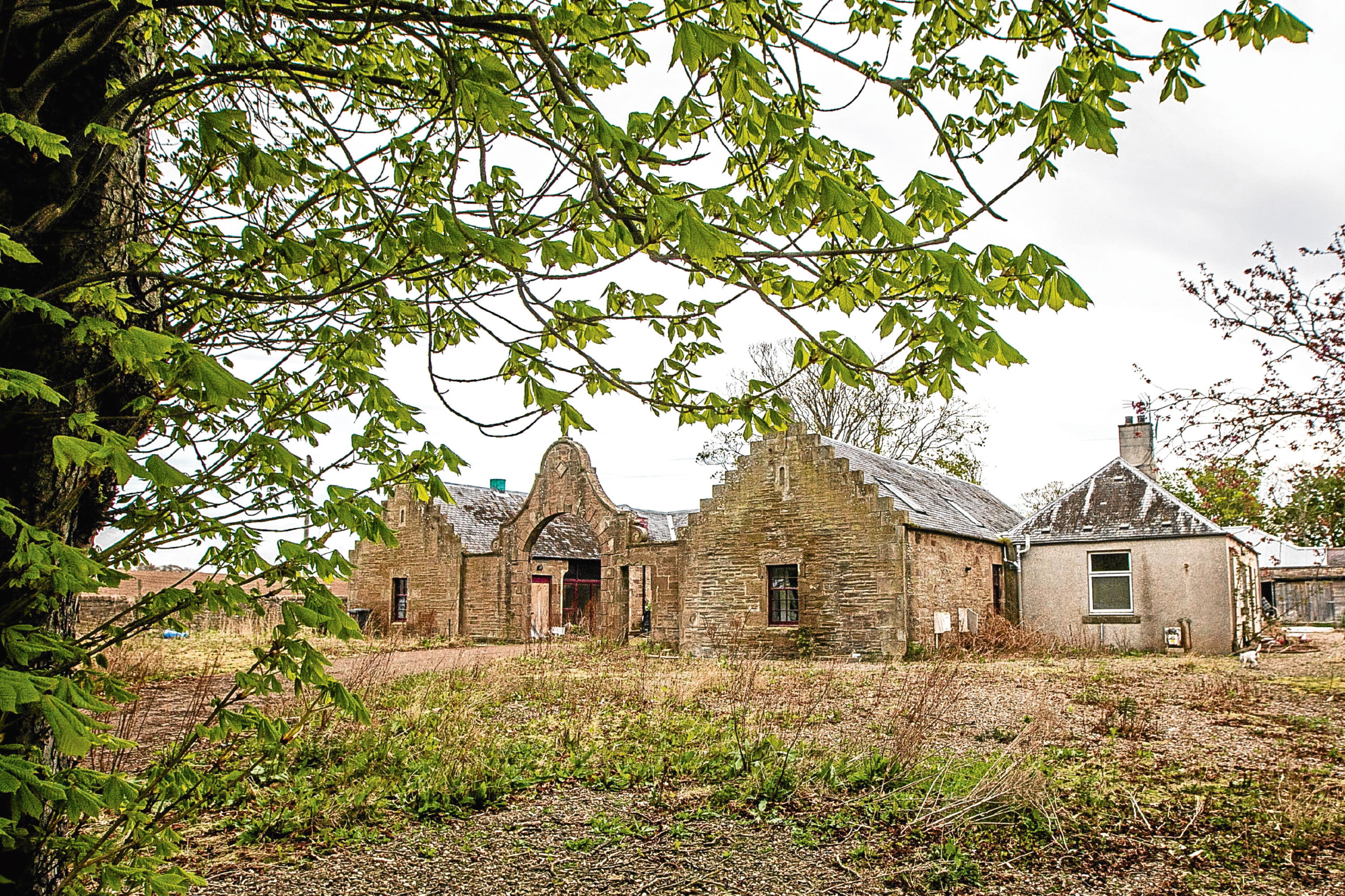 Plans are under way to transform Panbride House in Carnoustie. The mansion was once used as a hideout for a gang of ATM thieves.