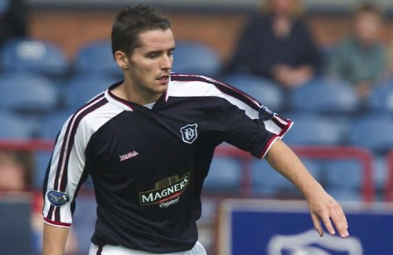 Lee Mair in action for Dundee in 2003.