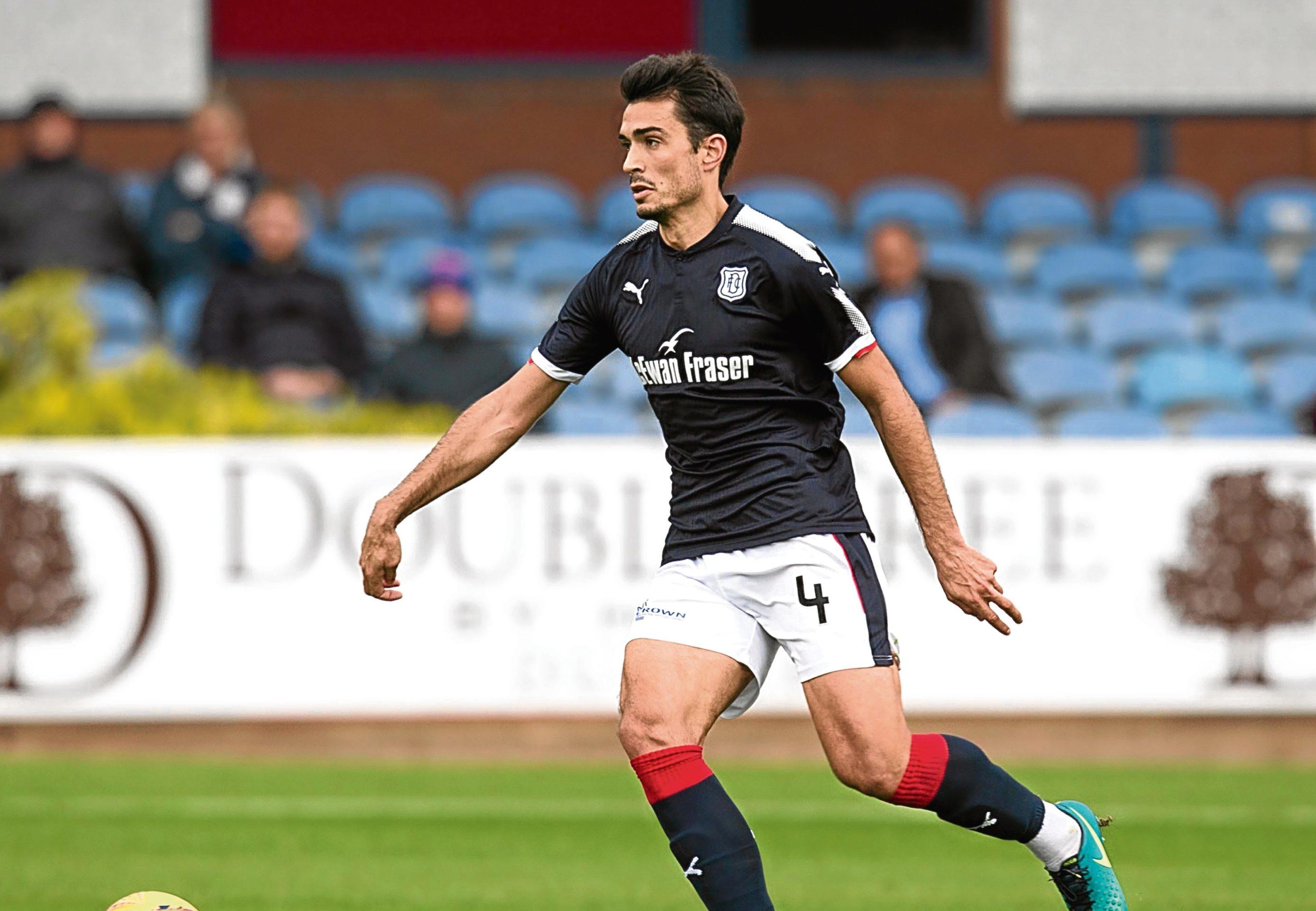 Defender Julen Etxabeguren could return to Scottish football at Inverness