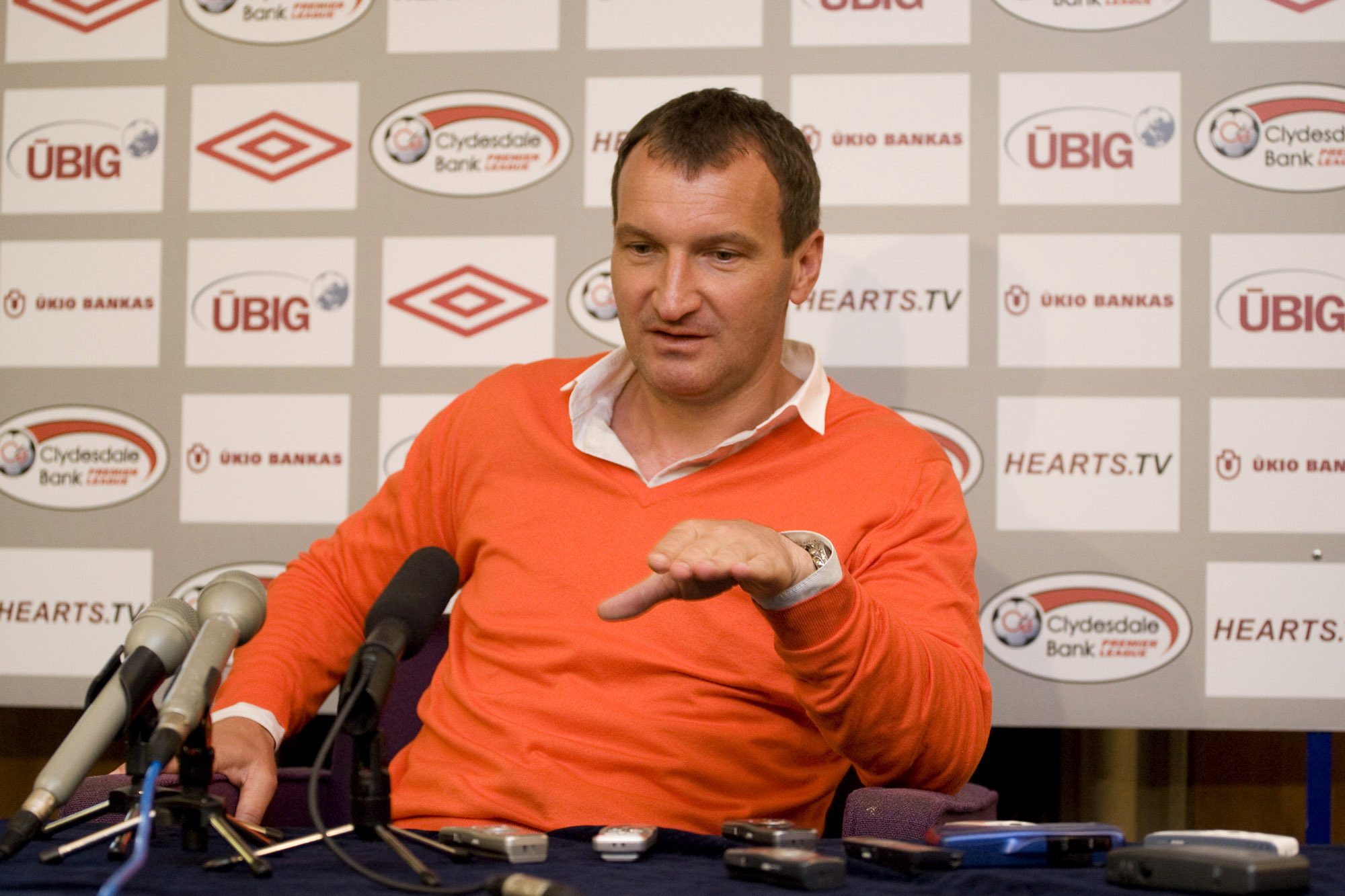 Csaba Laszlo, seen here in 2009 sporting a fetching tangerine sweater, is the new Dundee United boss.