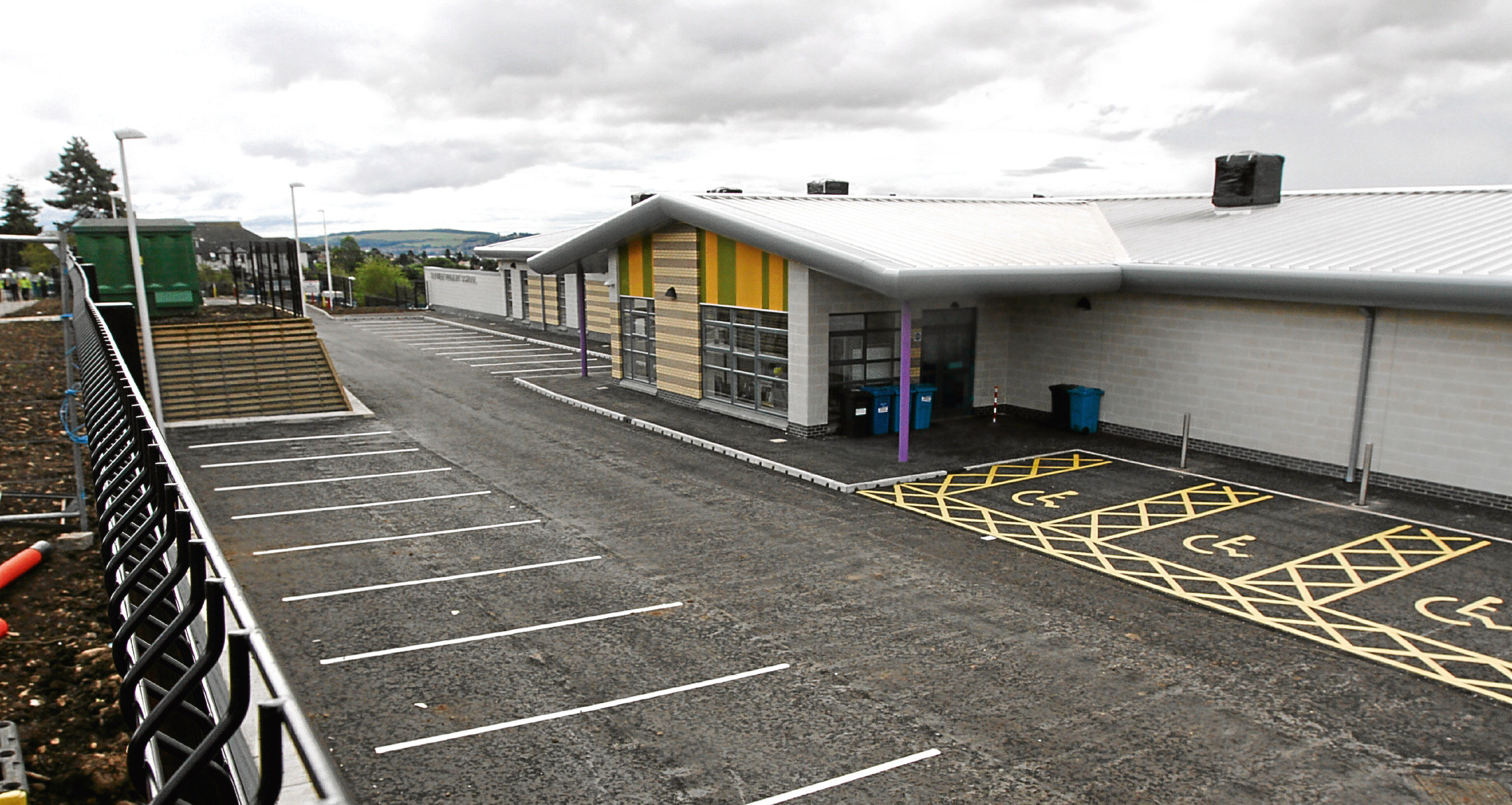 Tayview Primary School told parents before pupils returned there were no facilities to refill water bottles.
