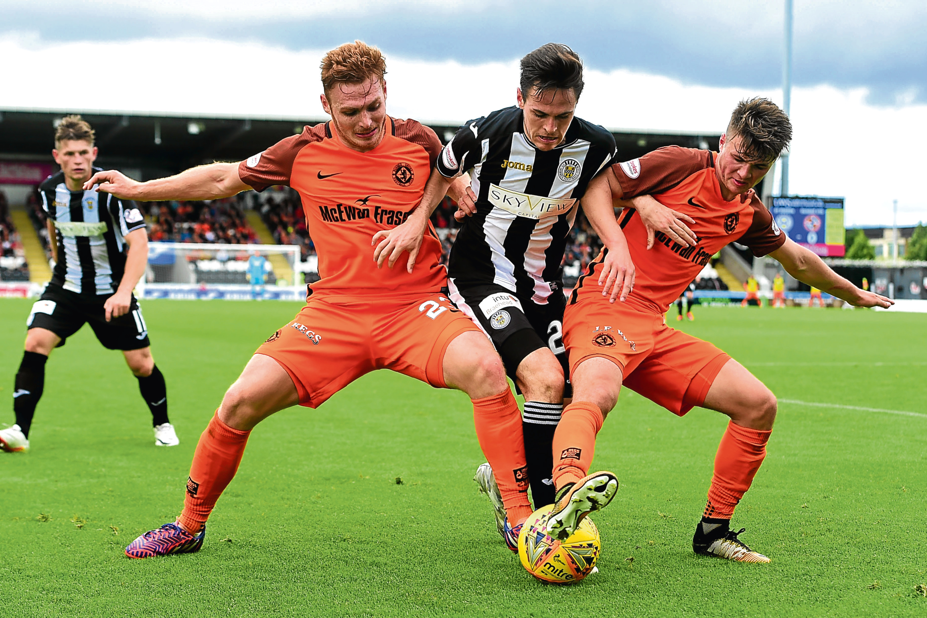Jamie Robson (right) and Fraser Fyvie battle for the ball during Dundee United's 3-0 away defeat to St Mirren at the start of the season. The Tangerines are confident of victory on Friday evening.