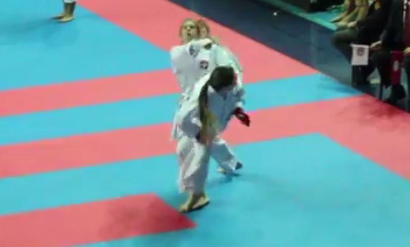 Leah Dunn scores an Ippon