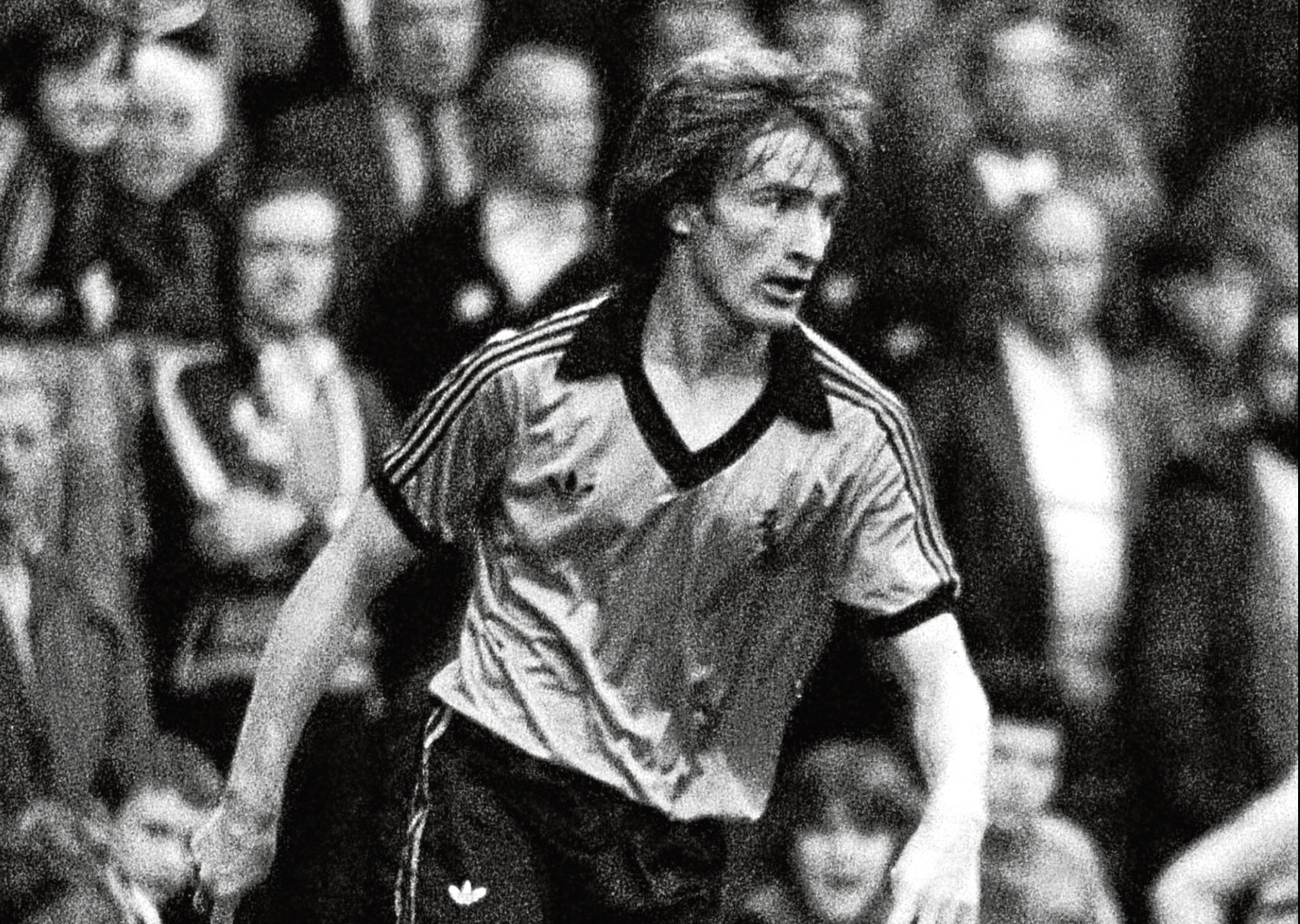 Graeme Payne in action for United in 1979