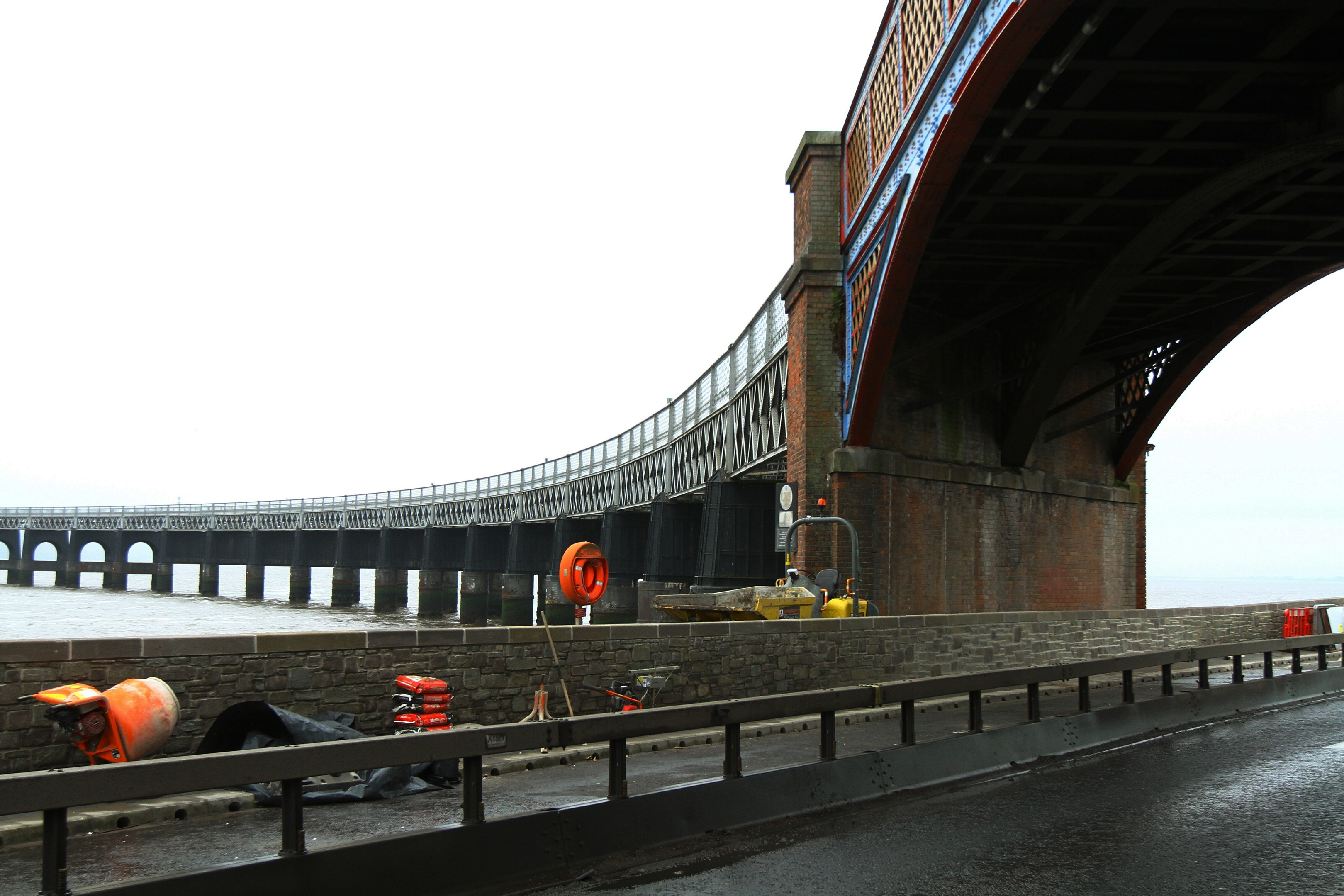 The flood wall at Riverside Drive in Dundee