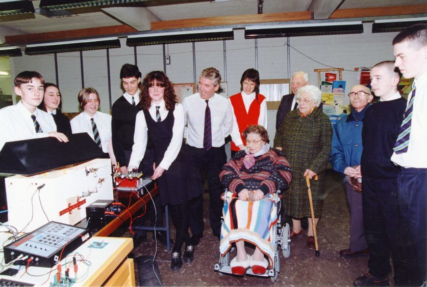 S3 and S4 pupils who designed the Turriff House Project.  (January 1995)
