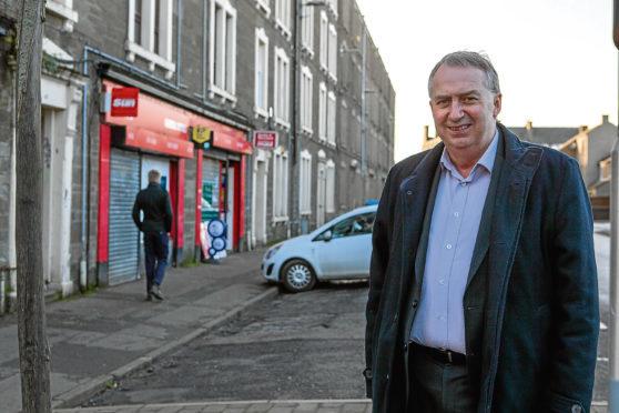 Ken Lynn on Dundonald Street