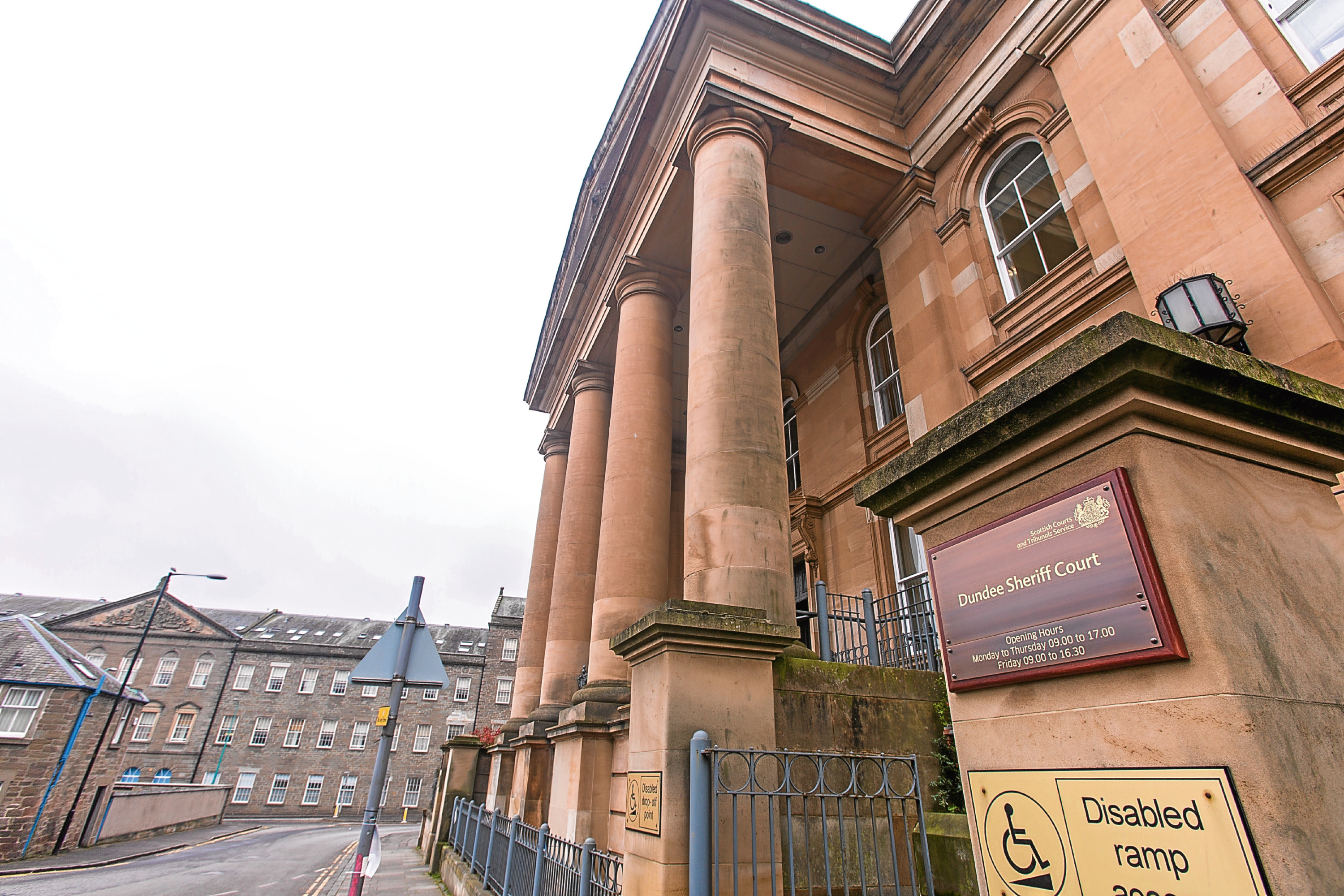 STOCK - Dundee Sheriff Court - Dundee - Tuesday 28 March 2017