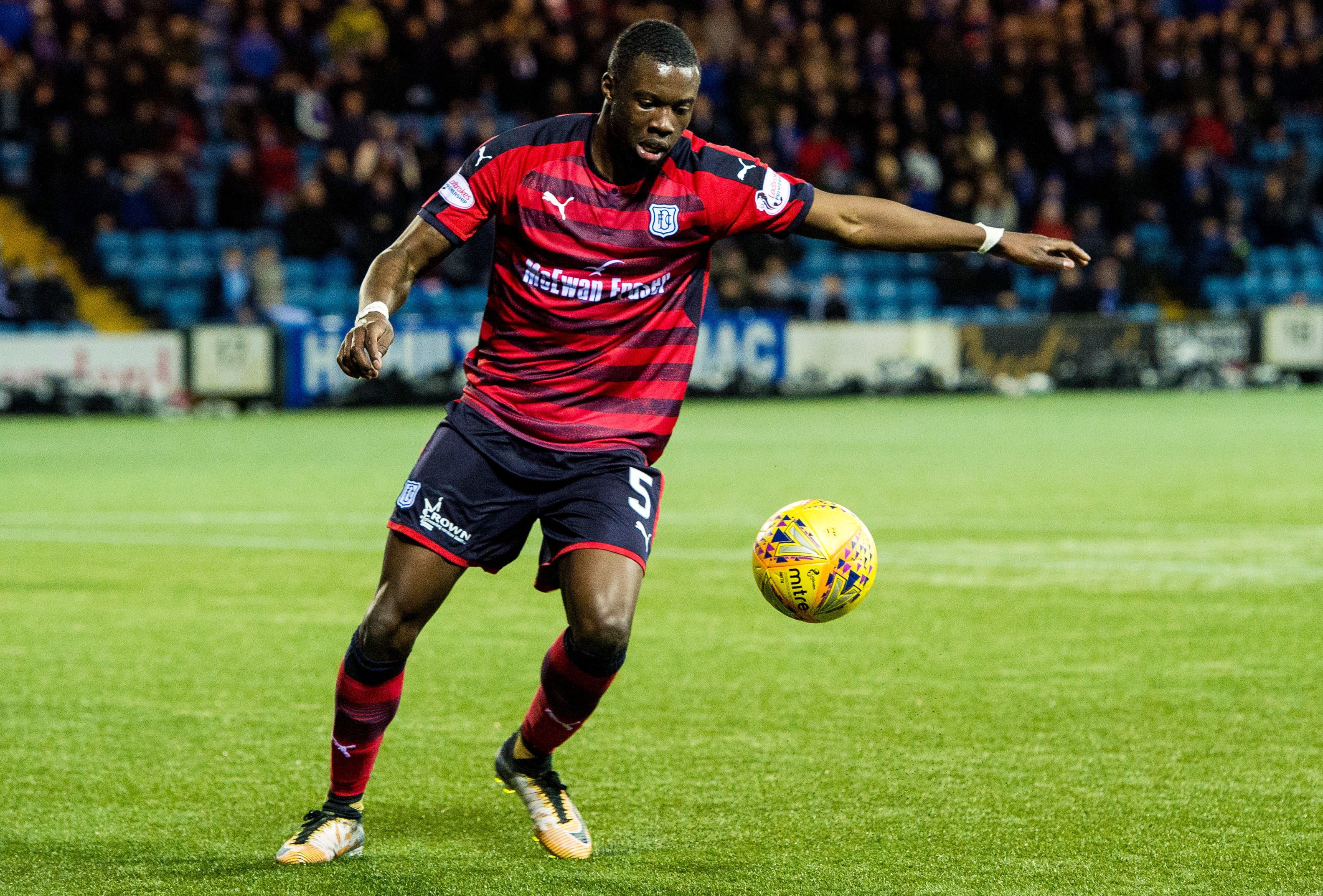 Genseric Kusunga in action for Dundee