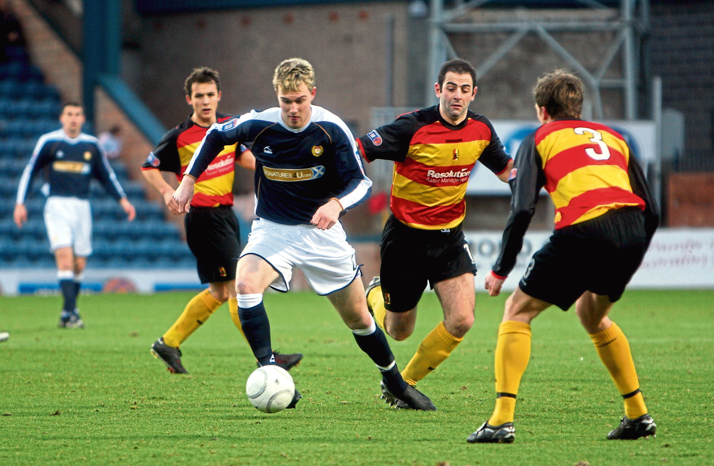 Kevin McDonald in action for Dundee.