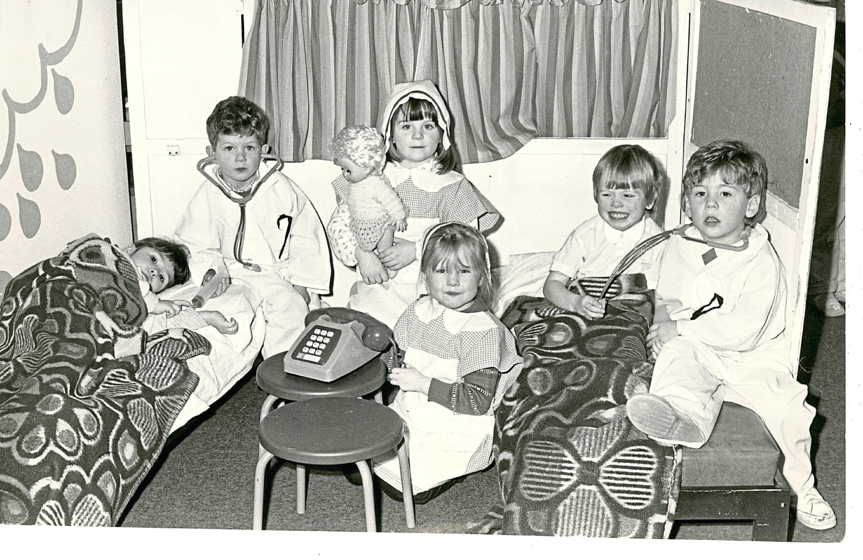 B88 1987-01-27 Jessie Porter Nursery Dundee (C)DCT  Kids of the Jessie Porter Nursery, Dundee.  C/A 28/01/1987