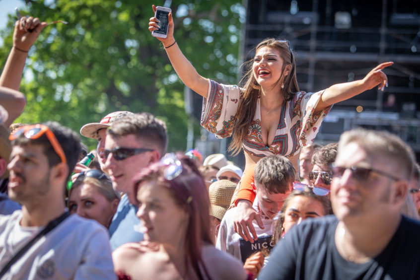 Crowds loving the music from Amy MacDonald