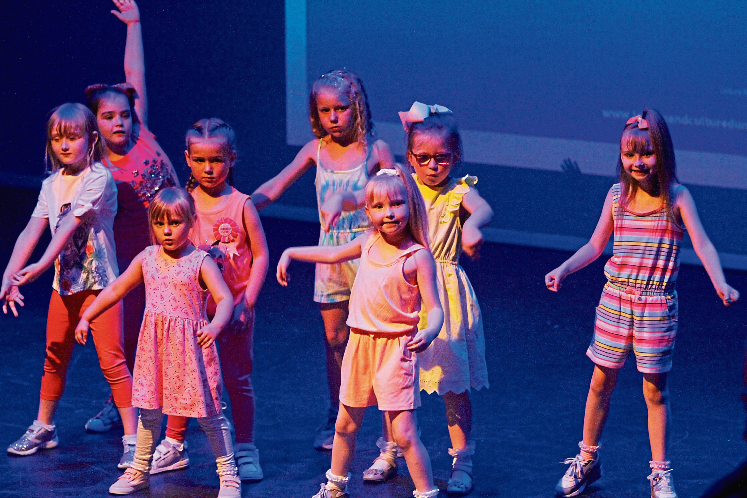 Tele News - Dundee story - Urban Moves Dance Festival.  CR0001534 Picture shows; the group from Craigiebarns PS (P1 - 3) and Urban Junior Moves on stage, at the Urban Moves Dance Festival, at the Gardyne Theatre tonight. Saturday 26th May 2018.