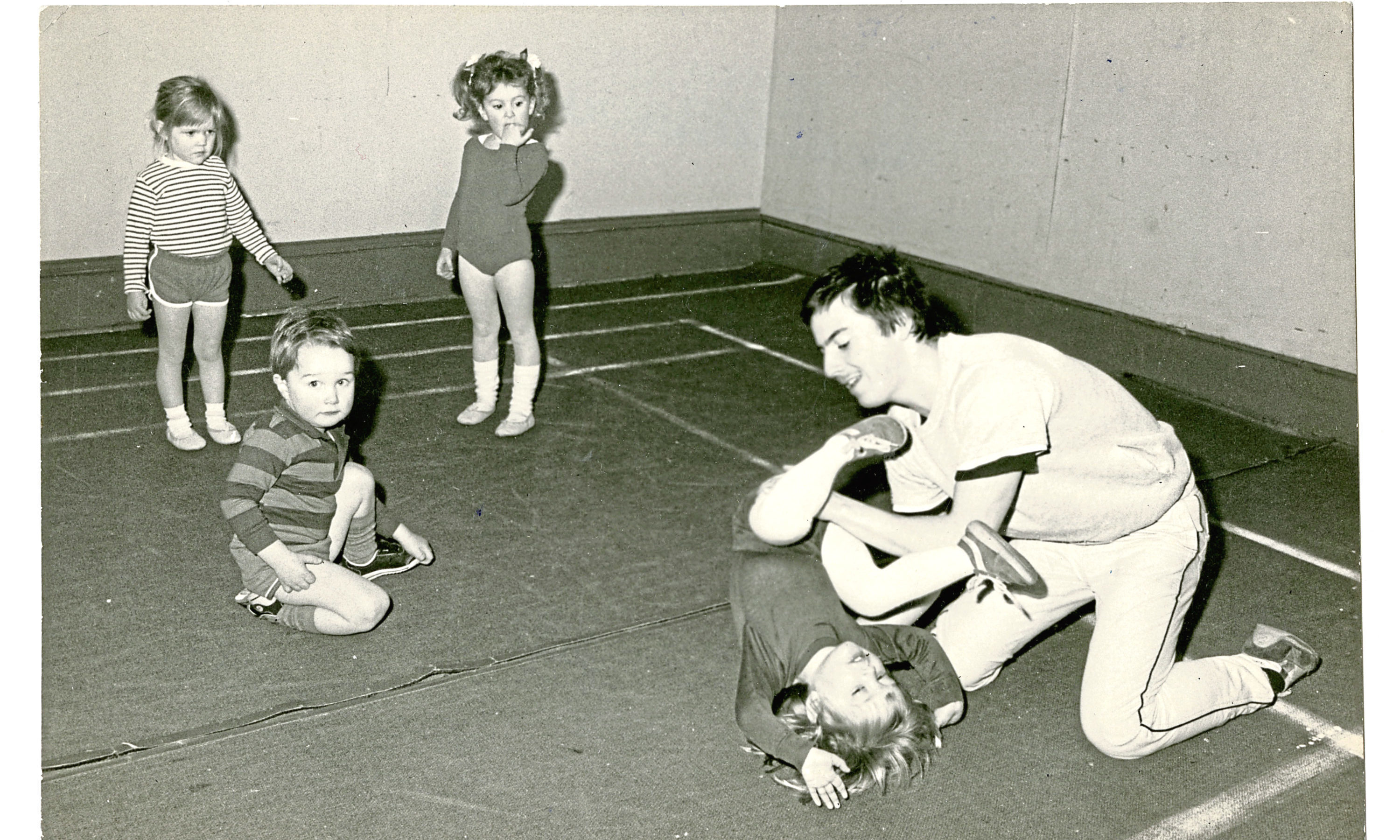Back in the Day - Saturday 2 June 18 Toddlers going through their excercise at the Dundee YM in 1985. B88 1985-01-16 Toddlers at Dundee YM (C)DCT  T+P 16/01/1985