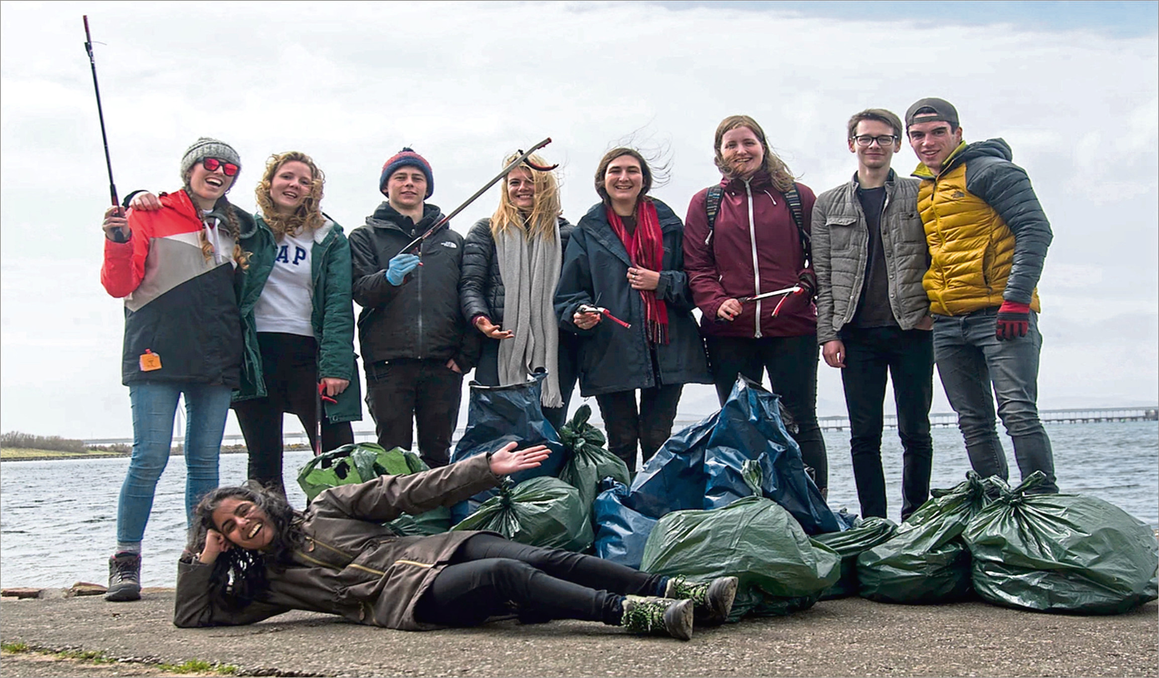 EMBARGOED: NOT FOR PUBLICATION OR BROADCAST UNTIL 00:01HRS MONDAY 4 JUNE 2018 GLASGOW STUDENTS PREPARE TO DIVE INTO RESEARCH IN SRI LANKA  An interdisciplinary team of 10 geography, biology and zoology students from the University of Glasgow, UK, leaves today (Monday, 4 June 2018) for Trincomalee, Sri Lanka, to help advance marine and coastal research in the country and educate Sri Lankan children about environmental conservation.