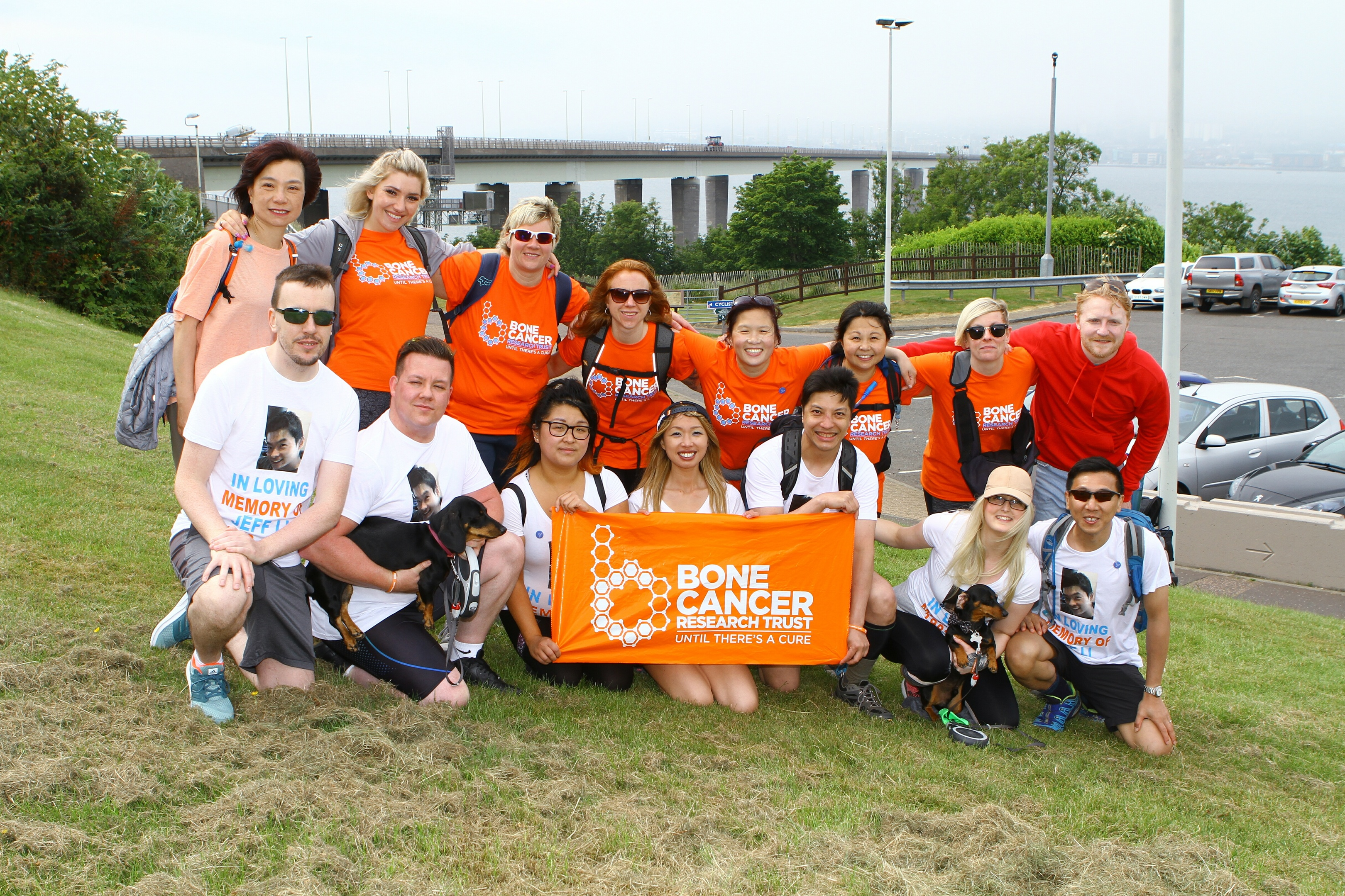 Mei Li has walked from Dundee to St Andrews in memory of her brother Jeff, who died from a rare form of bone cancer.
