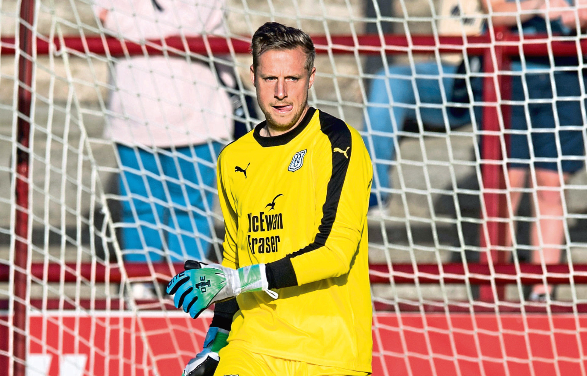 Elliott Parish finished last season as No 1 after taking over from Scott Bain.