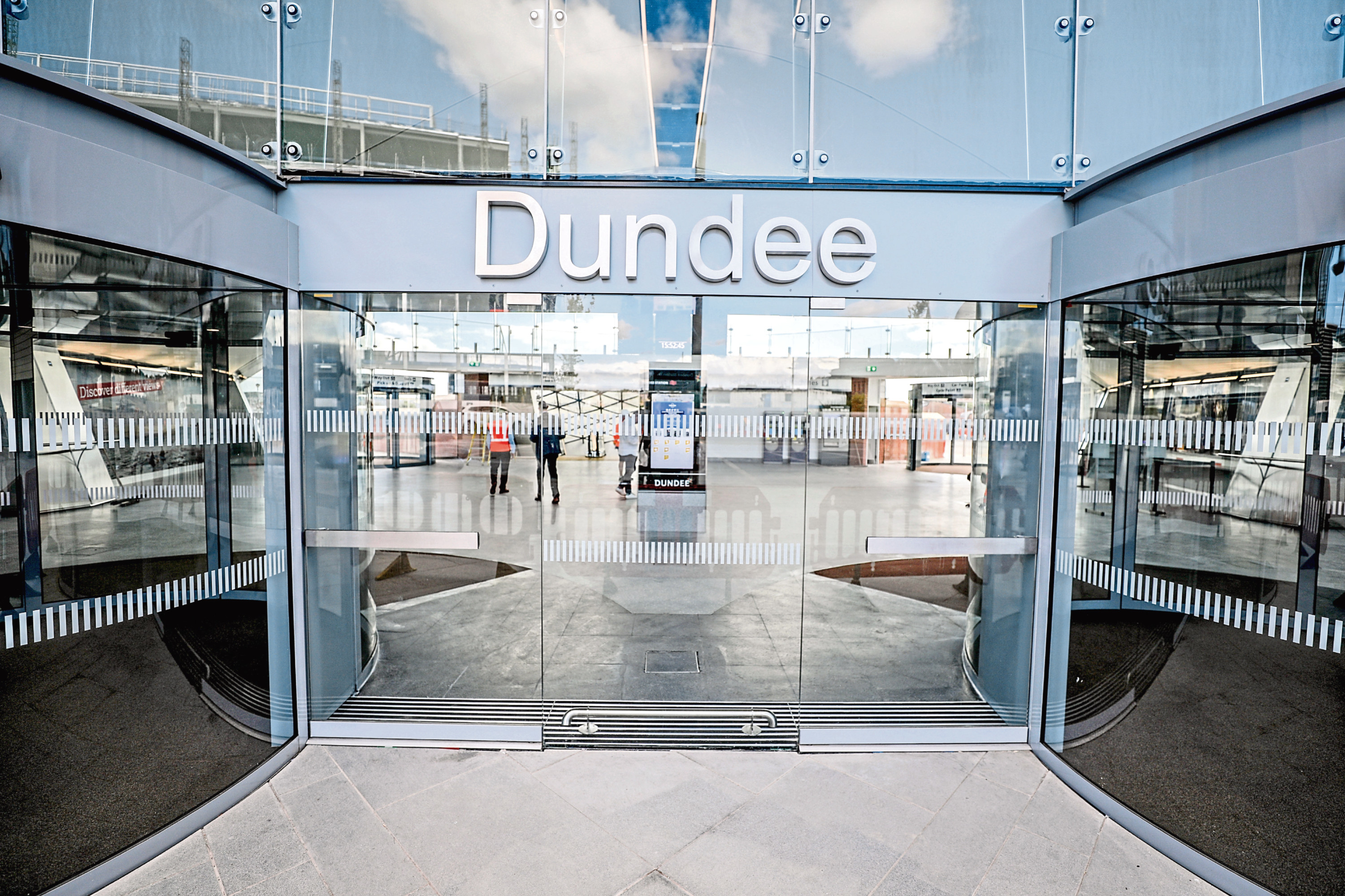 Dundee Railway Station entrance