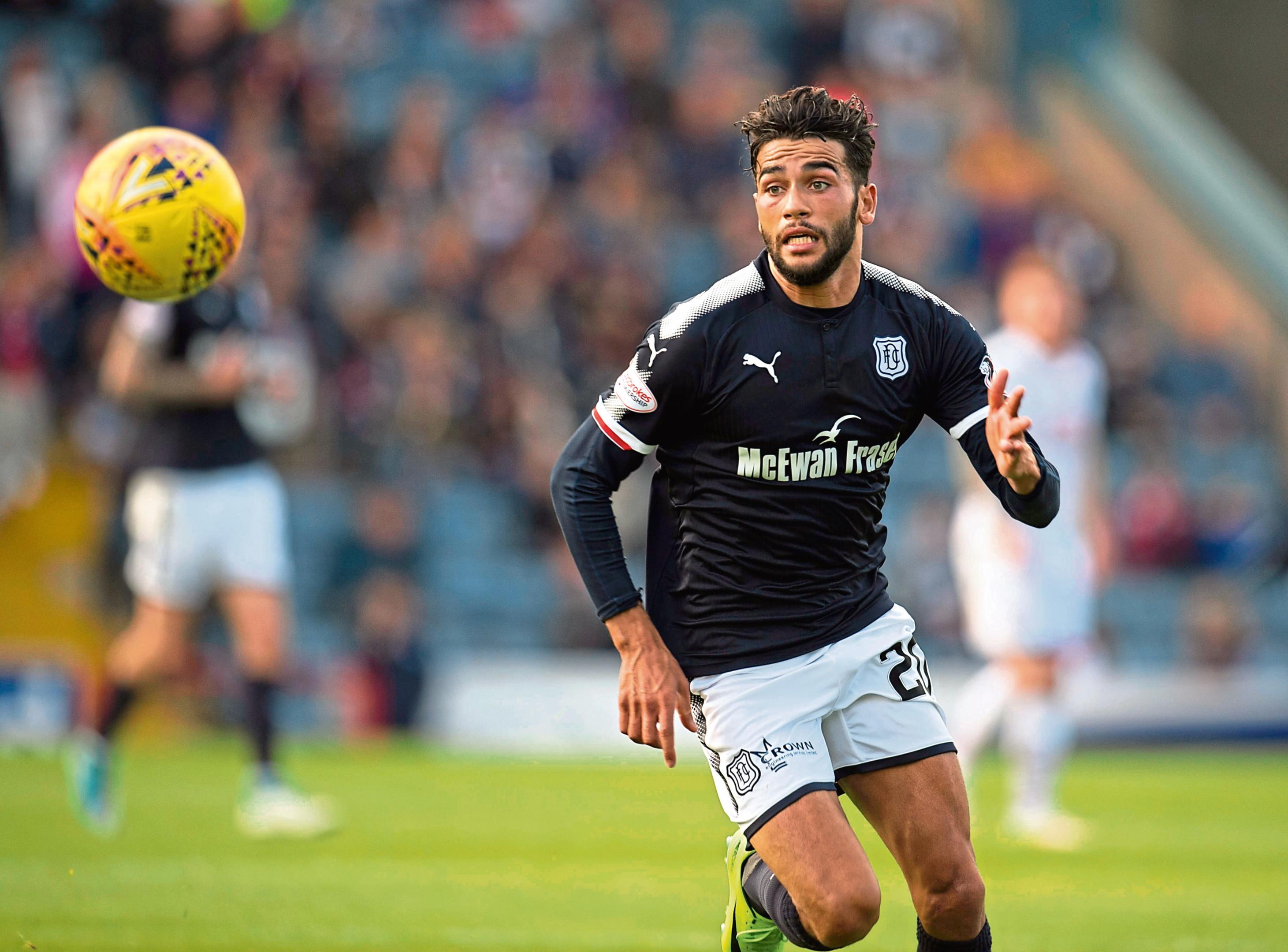 Faissal El Bakhtaoui has joined Dunfermline on a season-long loan.