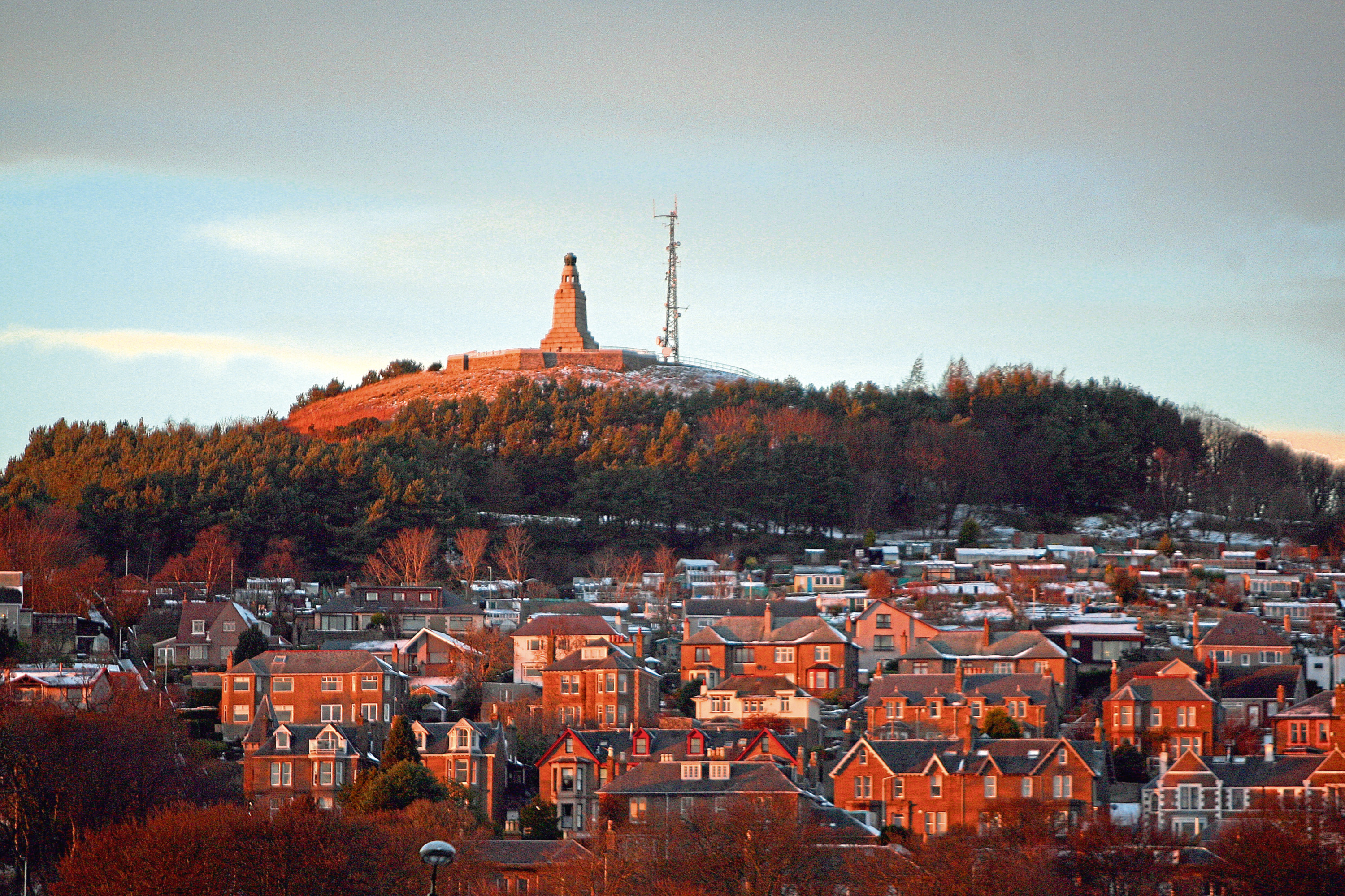 Dundee Law (stock image).