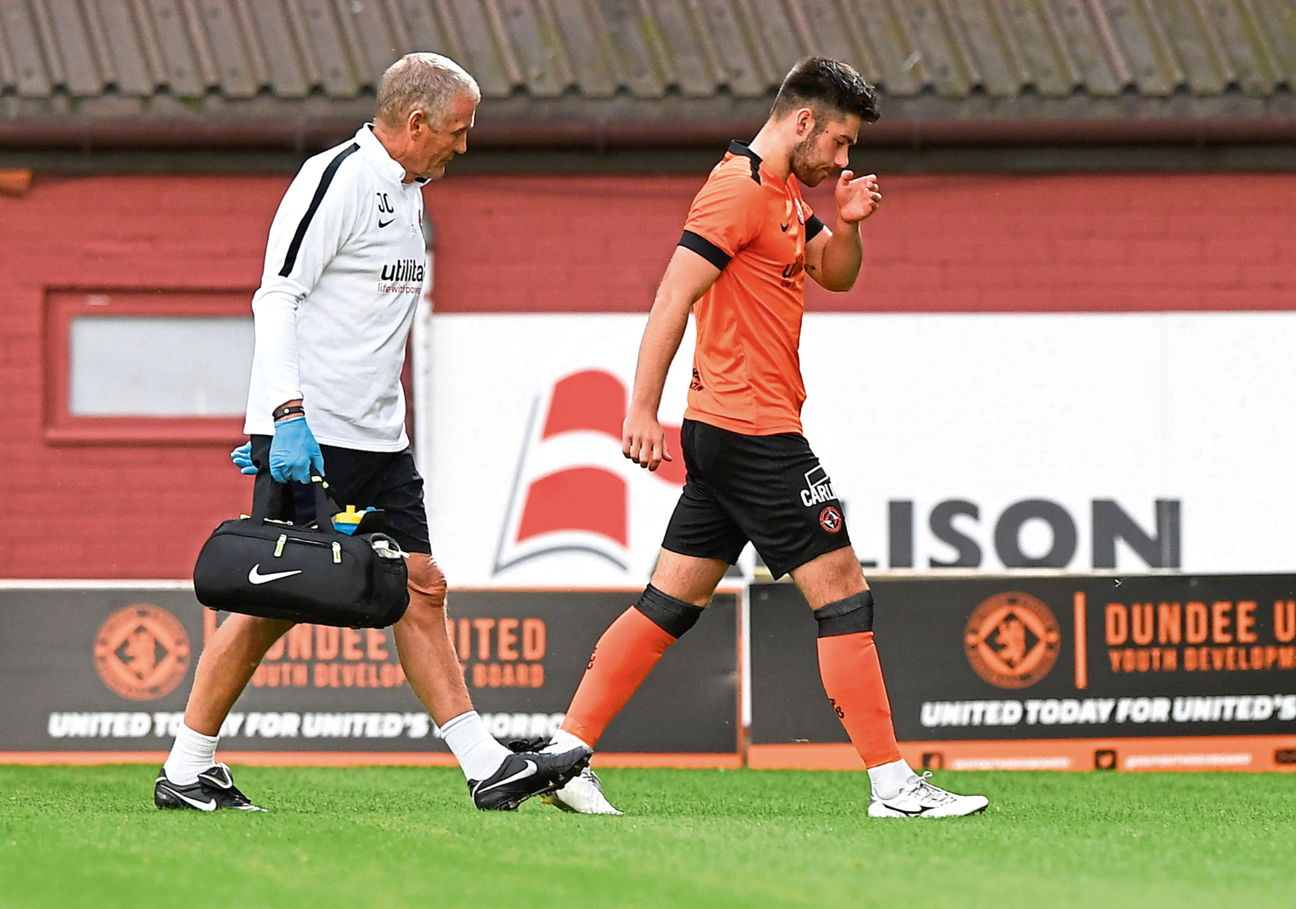 Dundee United youngster Archie Thomas went off injured in Wednesday night's 3-2 Irn-Bru Cup first-round win over St Johnstone.