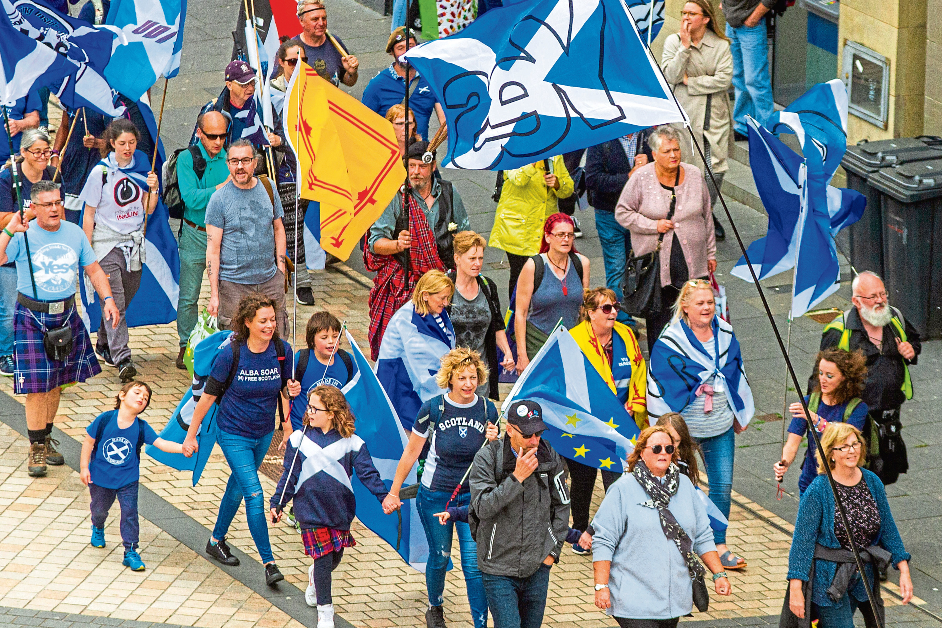 Courier News, Scott Milne Story, CR0003194 All Under One Banner march (independence) through Dundee.  Picture shows scenes from the march. Reform Street, Dundee. Saturday 18th August 2018.