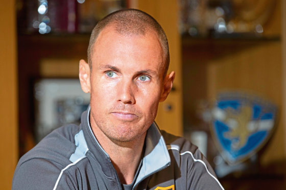Kenny Miller is expected to sign for Dundee.