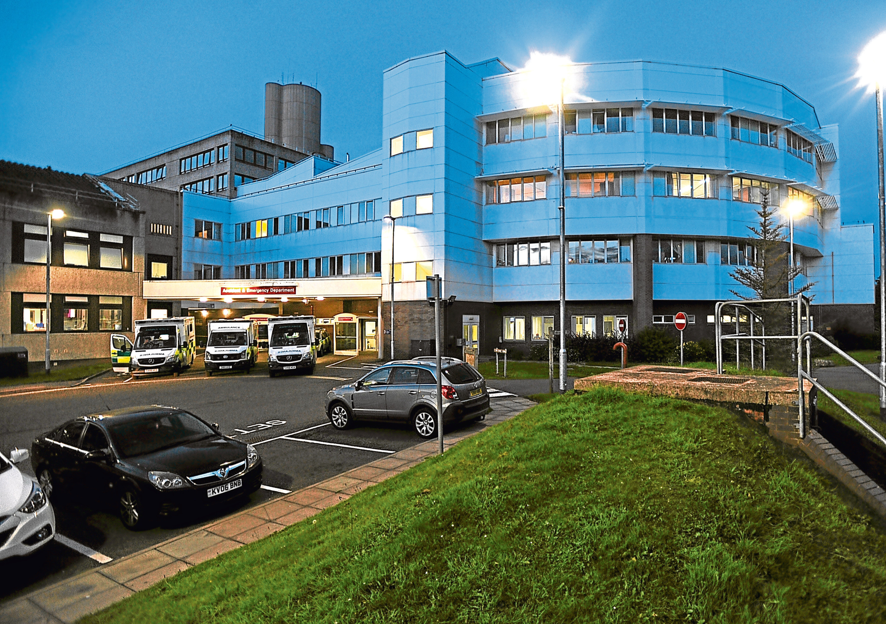 Ninewells Hospital at dusk (stock image)