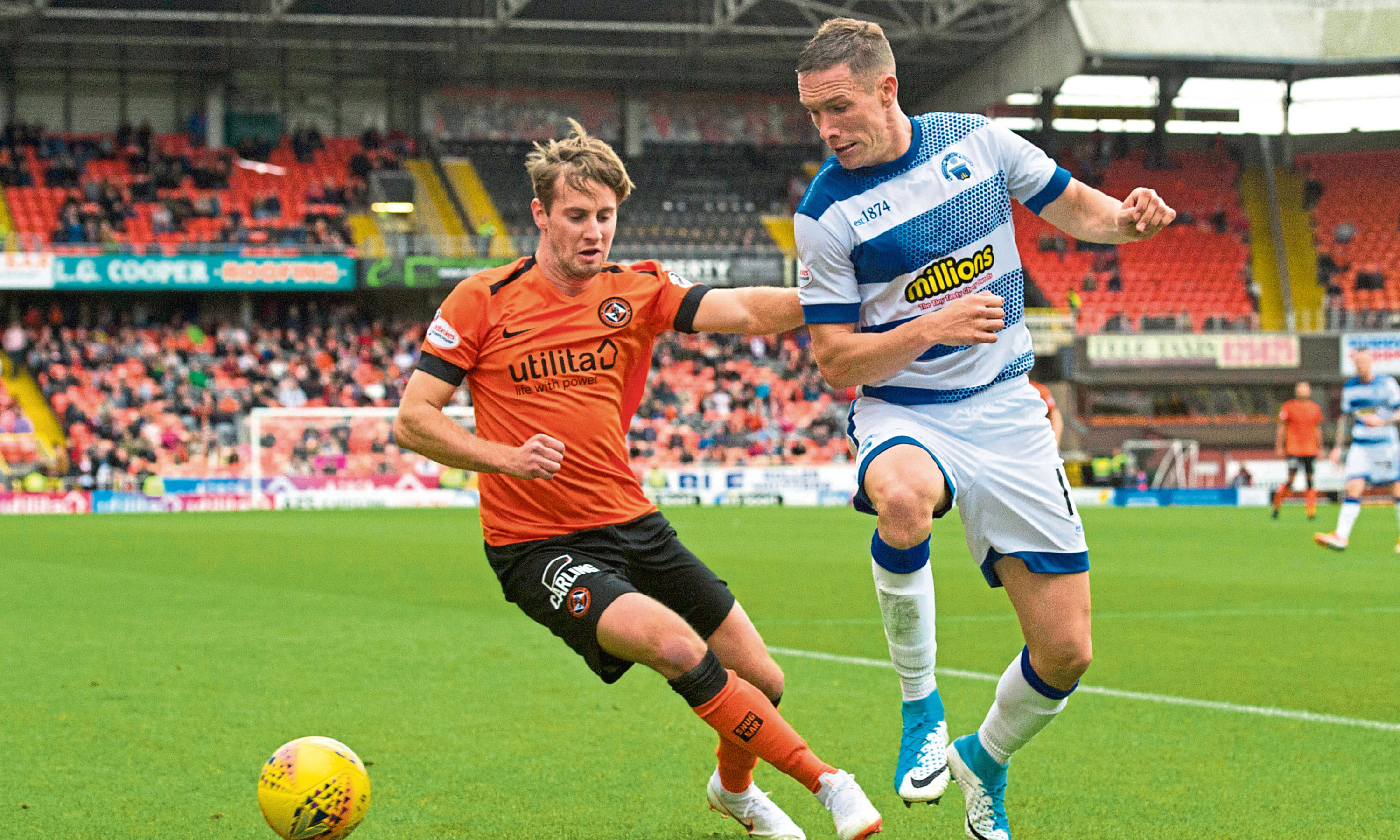 Greenock Morton's Michael Tidser (R) competes with Dundee United's Billy King when the sides met at Tannadice in September